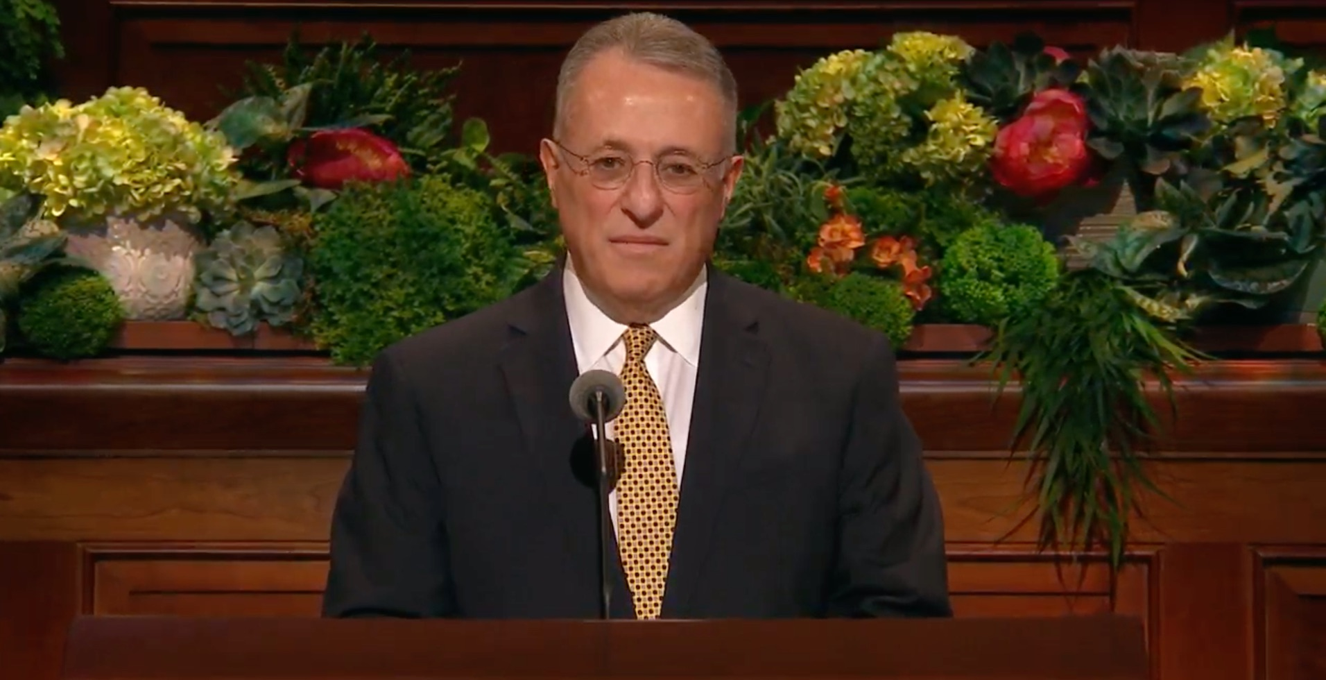 Elder Ulisses Soares of the Quorum of the Twelve Apostles gives his address during the Saturday morning session of the 189th Annual General Conference on April 6, 2019.