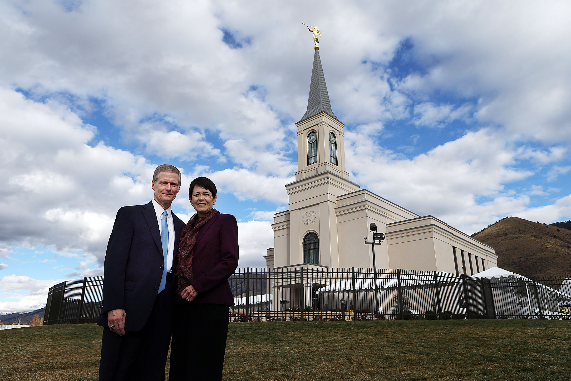 Elder David A. and Sister Susan Bednar pose for a photo at the Star Valley Wyoming Temple in Afton, Wyoming, on Saturday, Oct. 29, 2016.