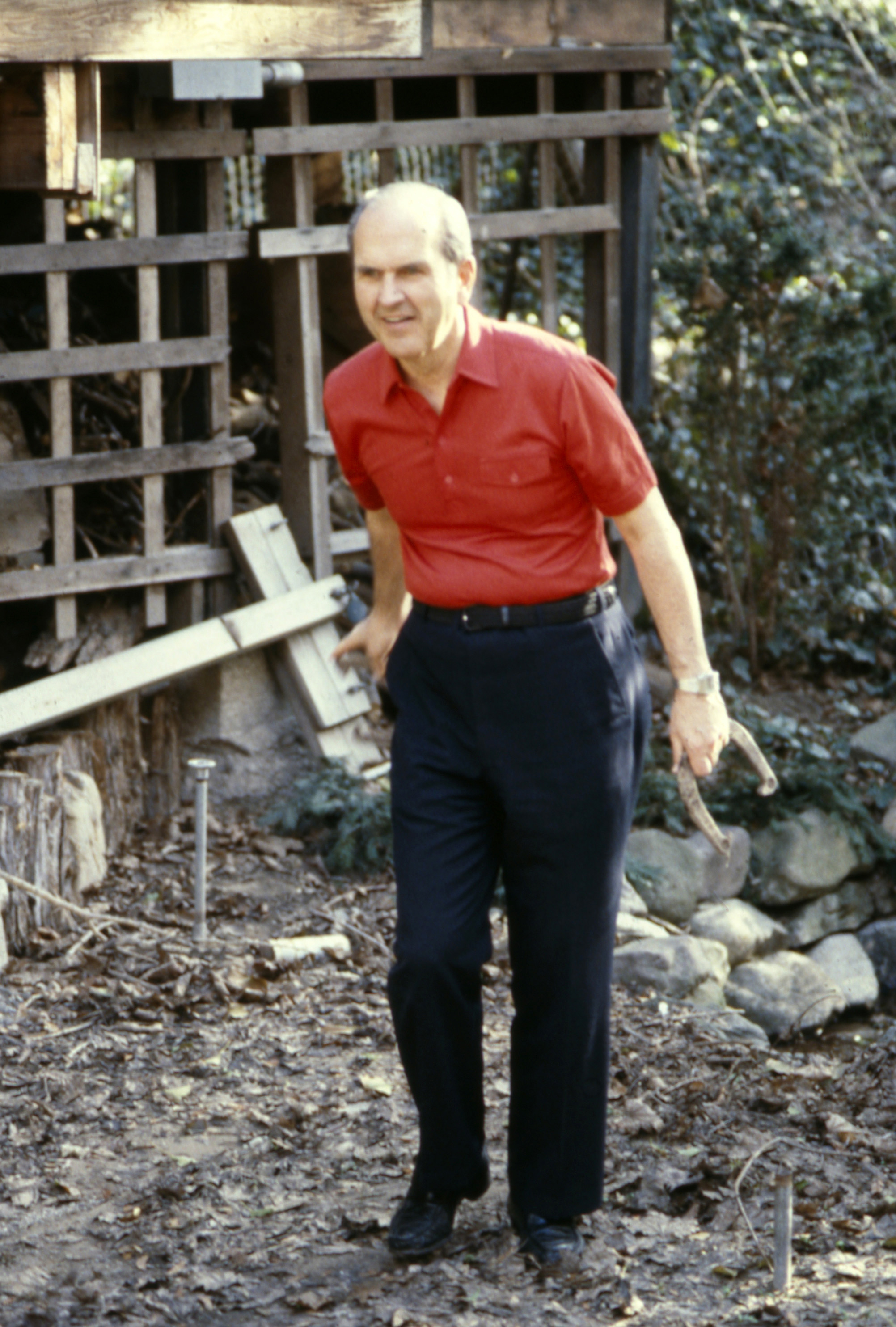 Elder Russell M. Nelson plays horseshoes.