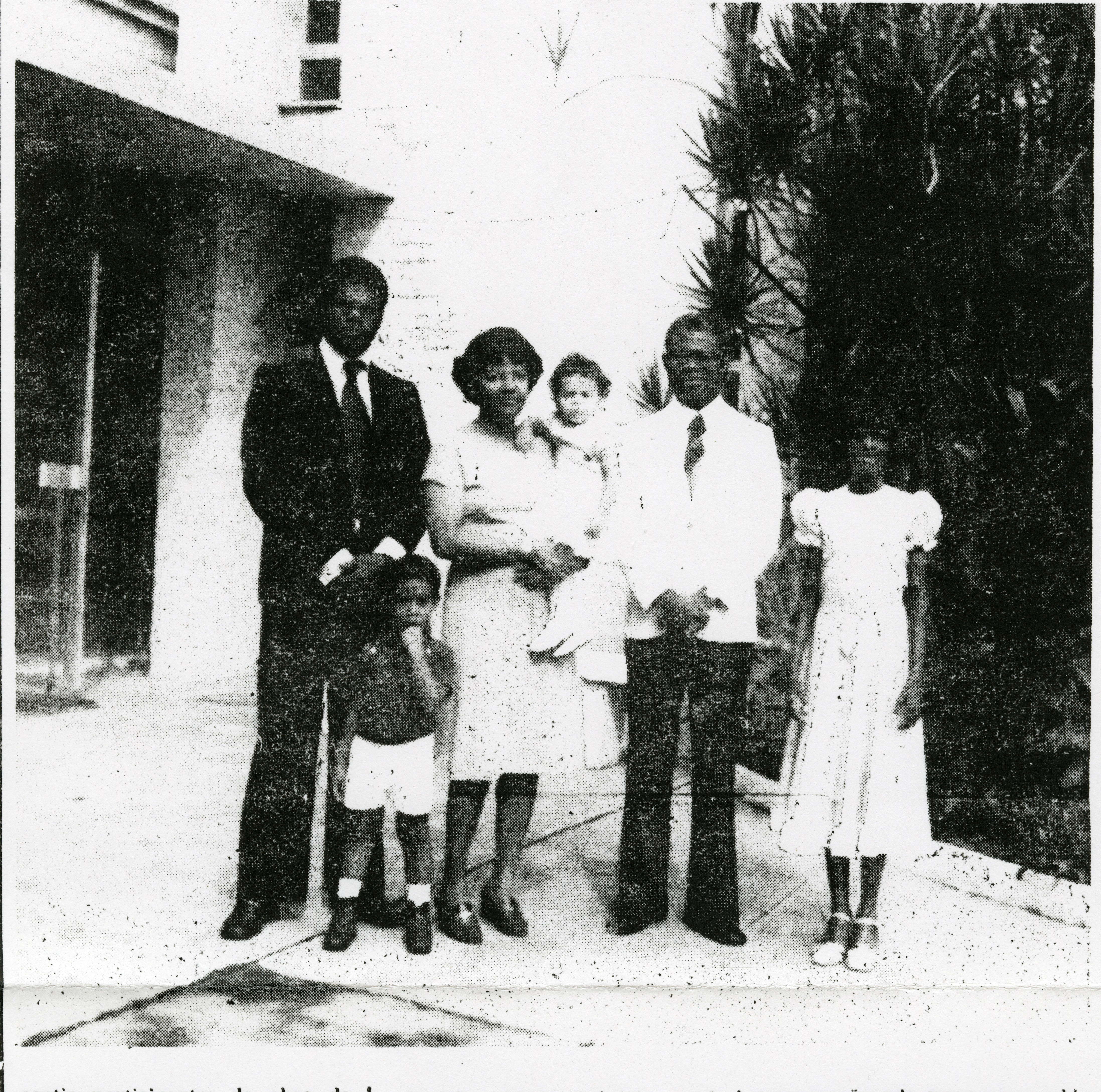 Helvécio Martins and his wife, Rudá Martins, and their family.