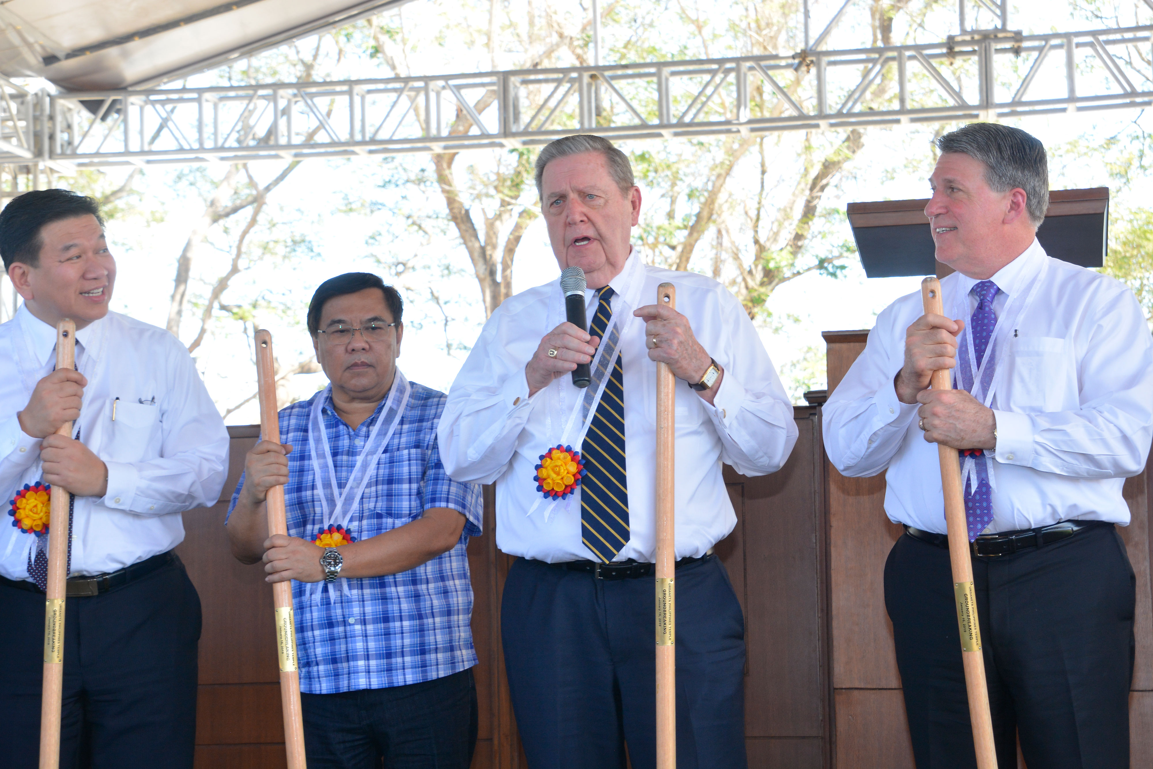 Elder Jeffrey R. Holland, center, of the Quorum of the Twelve Apostles, addresses community leaders and Church membersa in Urdaneta, Pangasinan, Philippines, on Wednesday Jan. 16, 2019. He broke ground for the new temple, the Church's third in the Philippines.