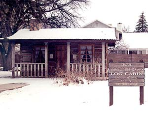 Historic cabin stands in downtown Snowflake.