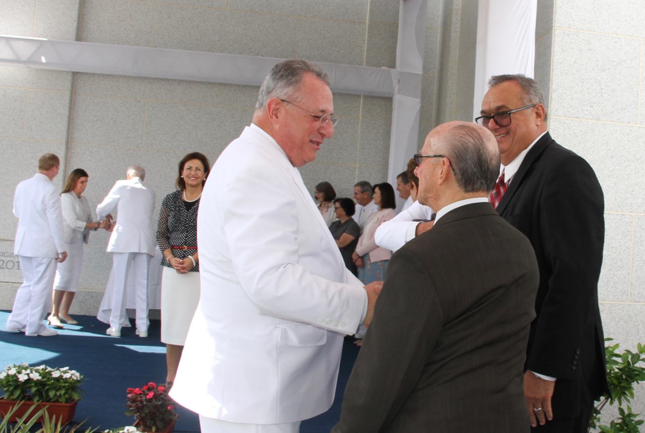 Elder Ulisses Soares of the Quorum of the Twelve Apostles welcomes Lino Cintra to the cornerstone ceremony of the Fortaleza Brazil Temple on June 2, 2019. Elder Soares invited Cintra and several other early Fortaleza saints to participate at the cornerstone.