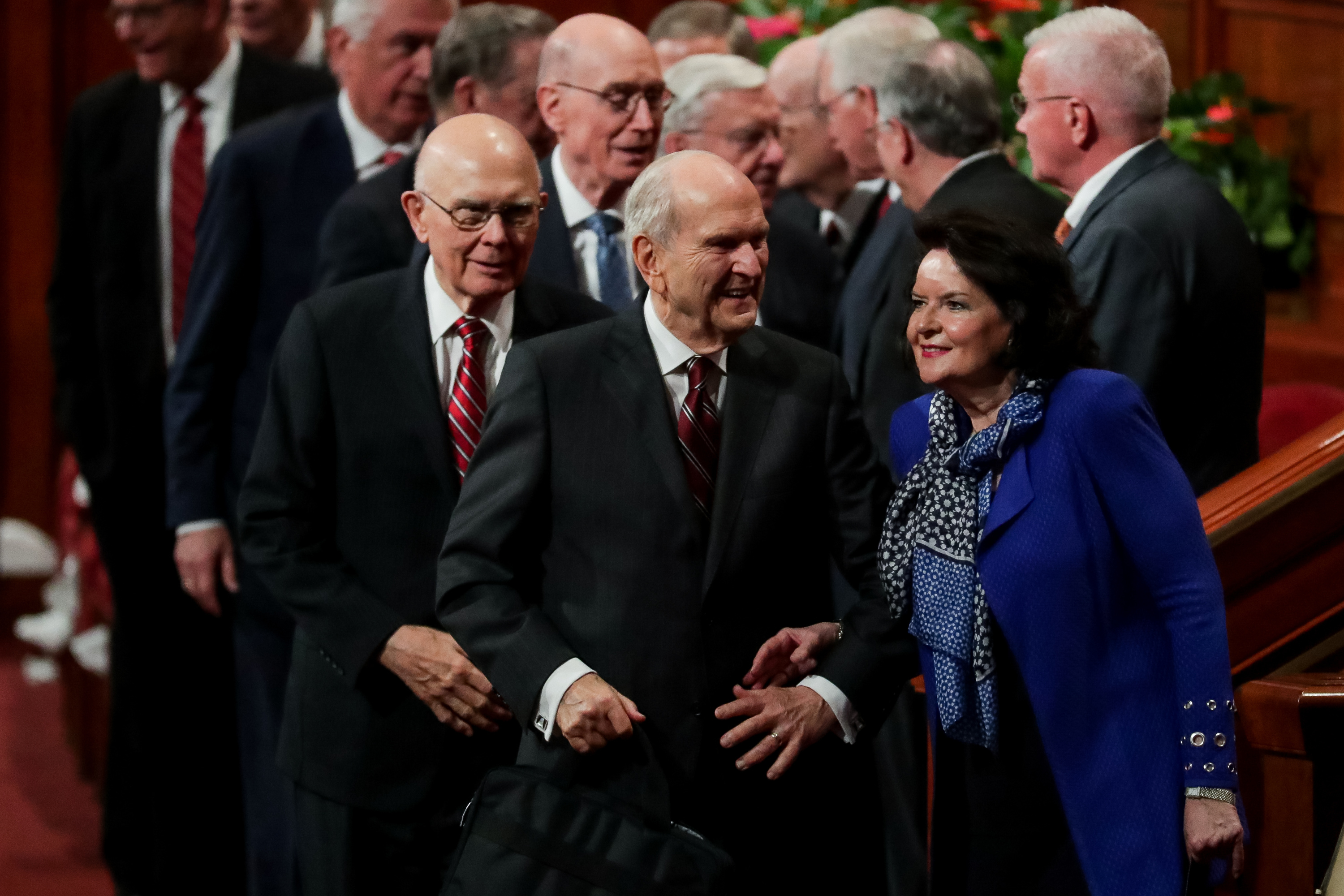 President Russell M. Nelson and his wife, Sister Wendy Nelson, leave the rostrum at the end of the Saturday afternoon session of the 188th Semiannual General Conference of The Church of Jesus Christ of Latter-day Saints in the Conference Center in Salt Lake City on Saturday, Oct. 6, 2018.
