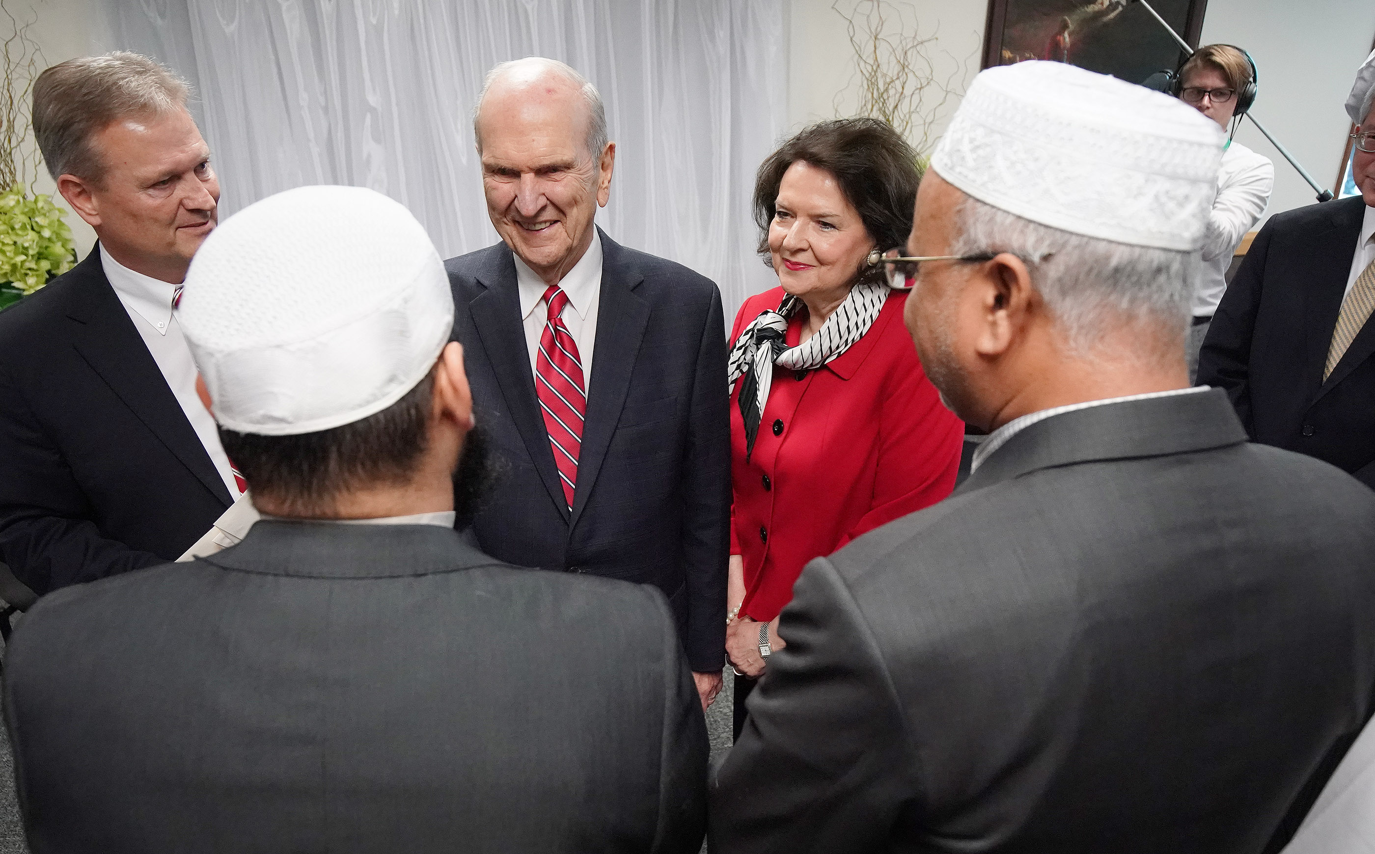 President Russell M. Nelson of The Church of Jesus Christ of Latter-day Saints and his wife, Sister Wendy Nelson, meet with imams and a victim in Auckland, New Zealand, on May 21, 2019, from two mosques that were recently attacked. Two imams represented the Al Noor and Linwood mosques, where innocent worshippers were gunned down March 15 in Christchurch.