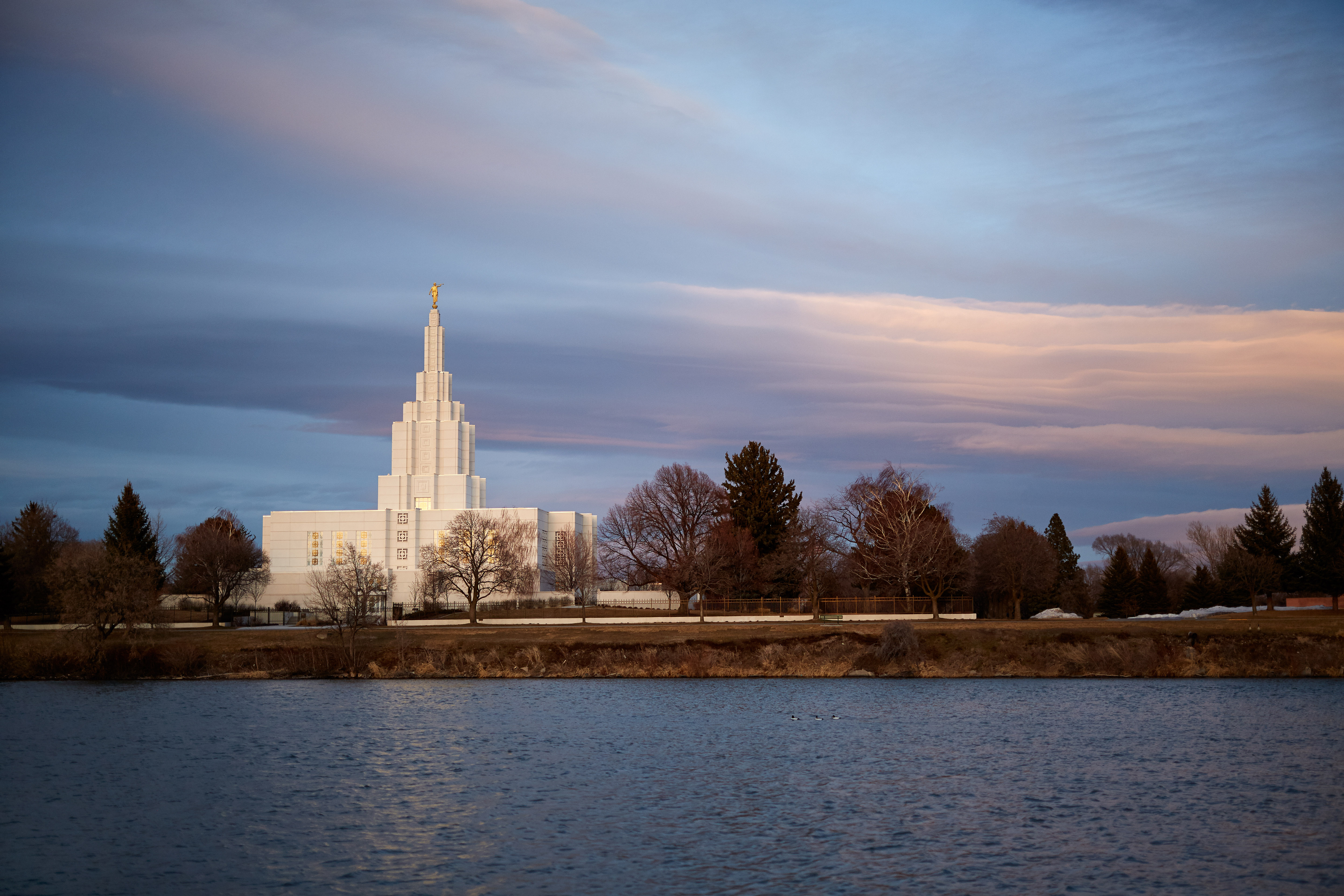 The Idaho Falls Idaho Temple near the banks of the Snake River. © 2017 Intellectual Reserve, Inc. All rights reserved (Photo: )