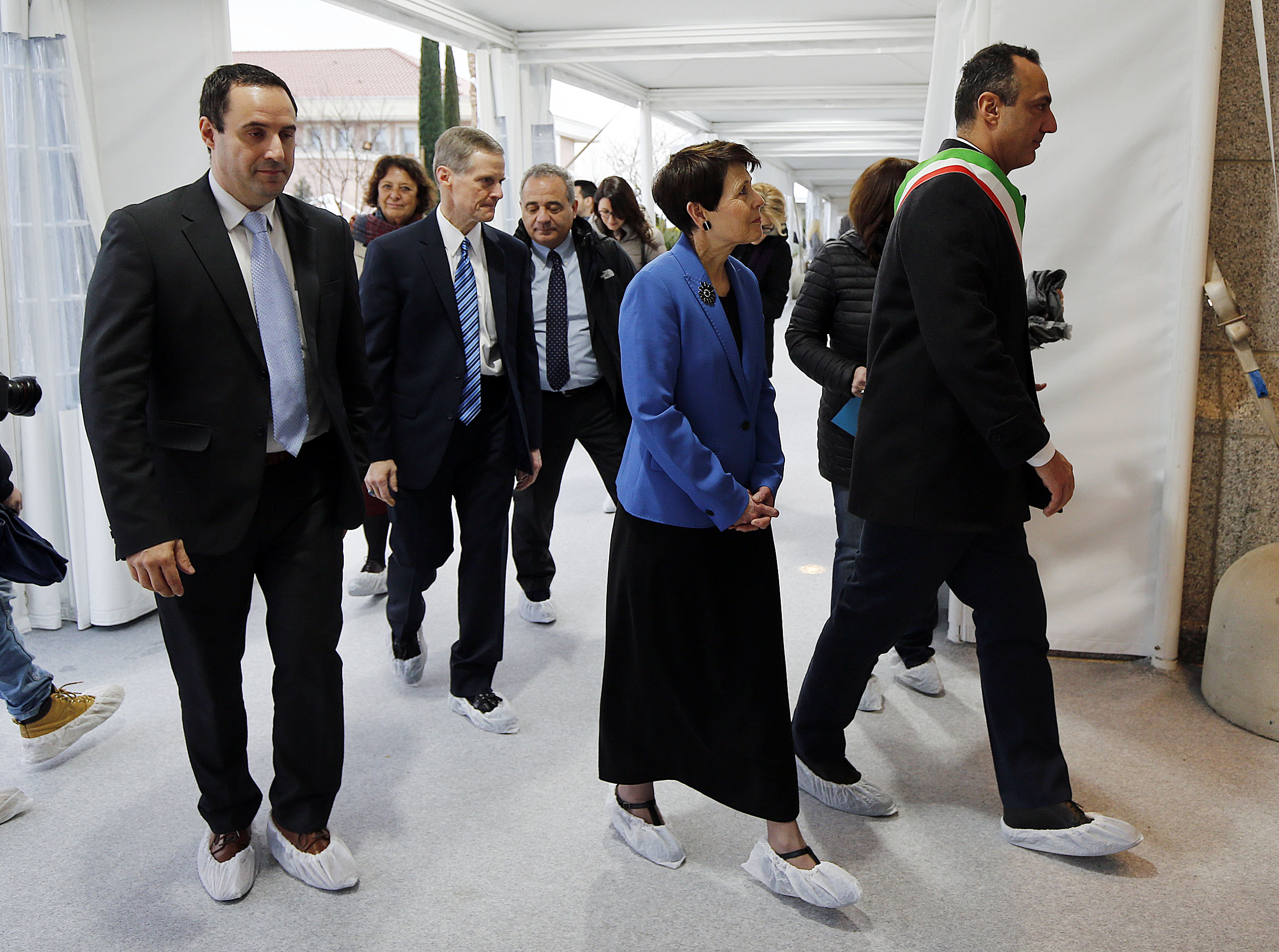 Elder David A. Bednar of the Quorum of the Twelve Apostles of The Church of Jesus Christ of Latter-day Saints and his wife, Sister Susan Bednar, guide a tour of local dignitaries into the Rome Italy Temple on Monday, Jan. 14, 2019.