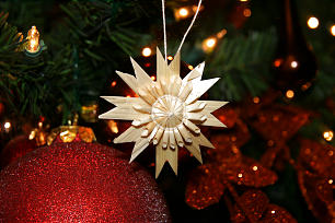 Stars made of straw are treasured ornaments President Dieter F. Uchtdorf and his wife, Sister Harriet Uchtdorf, have brought from their home in Germany.