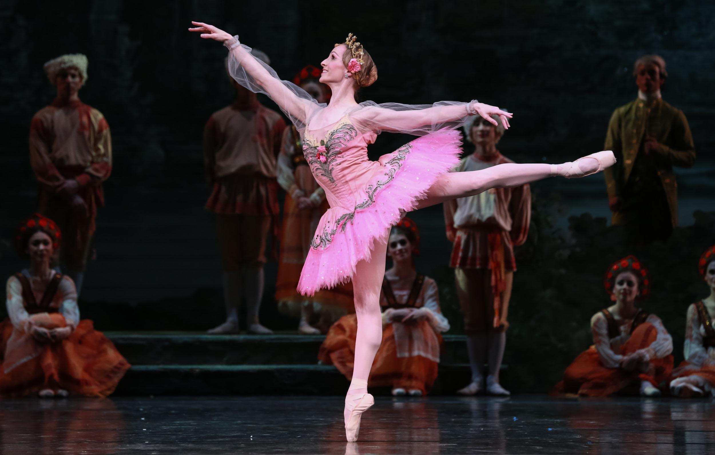 Sara Webb Bardo - performing professionally as principal ballerina for the Houston Ballet.