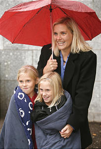 Rolayne Waldron, Mesa AZ, along with her daughters Sommer and Genna (R) wait in line for LDS General Conference Oct 6, 2007 in Salt Lake City. Jeffrey D. Allred/photo