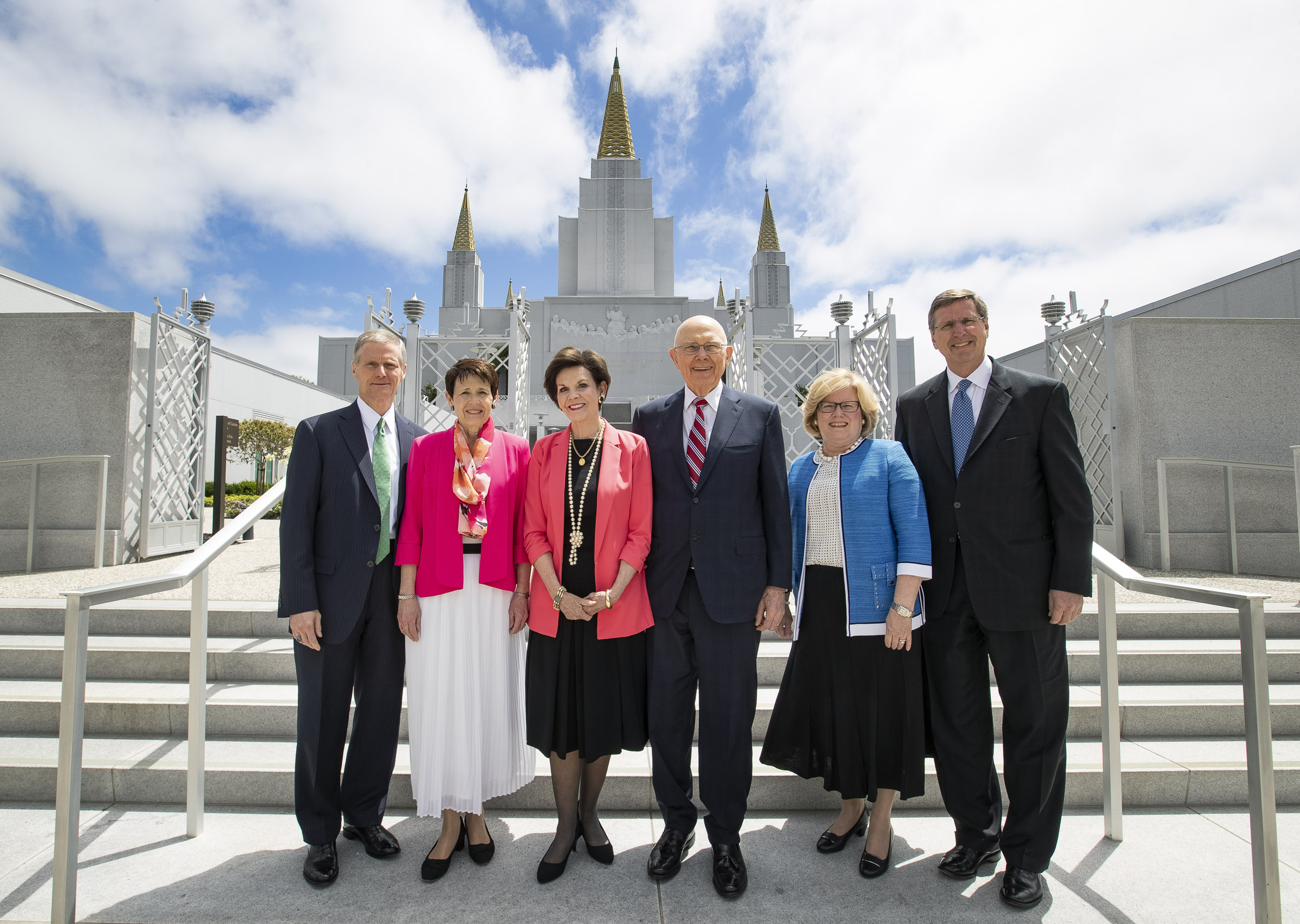 Elder David A. Bednar of the Quorum of the Twelve Apostles and his wife, Sister Susan Bednar, President Dallin H. Oaks, first counselor in the First Presidency, and his wife, Sister Kristen Oaks, center, and Elder Kevin W. Pearson, a General Authority Seventy and president of the California Area, and his wife, Sister June Pearson outside the Oakland California Temple on Saturday, June 15, 2019.