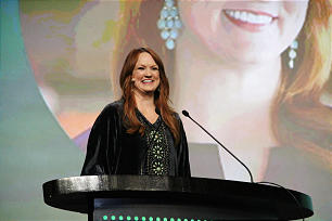 """Ree Drummond, popular """"Pioneer Woman"""" blogger, addresses keynote session of RootsTech 2014."""