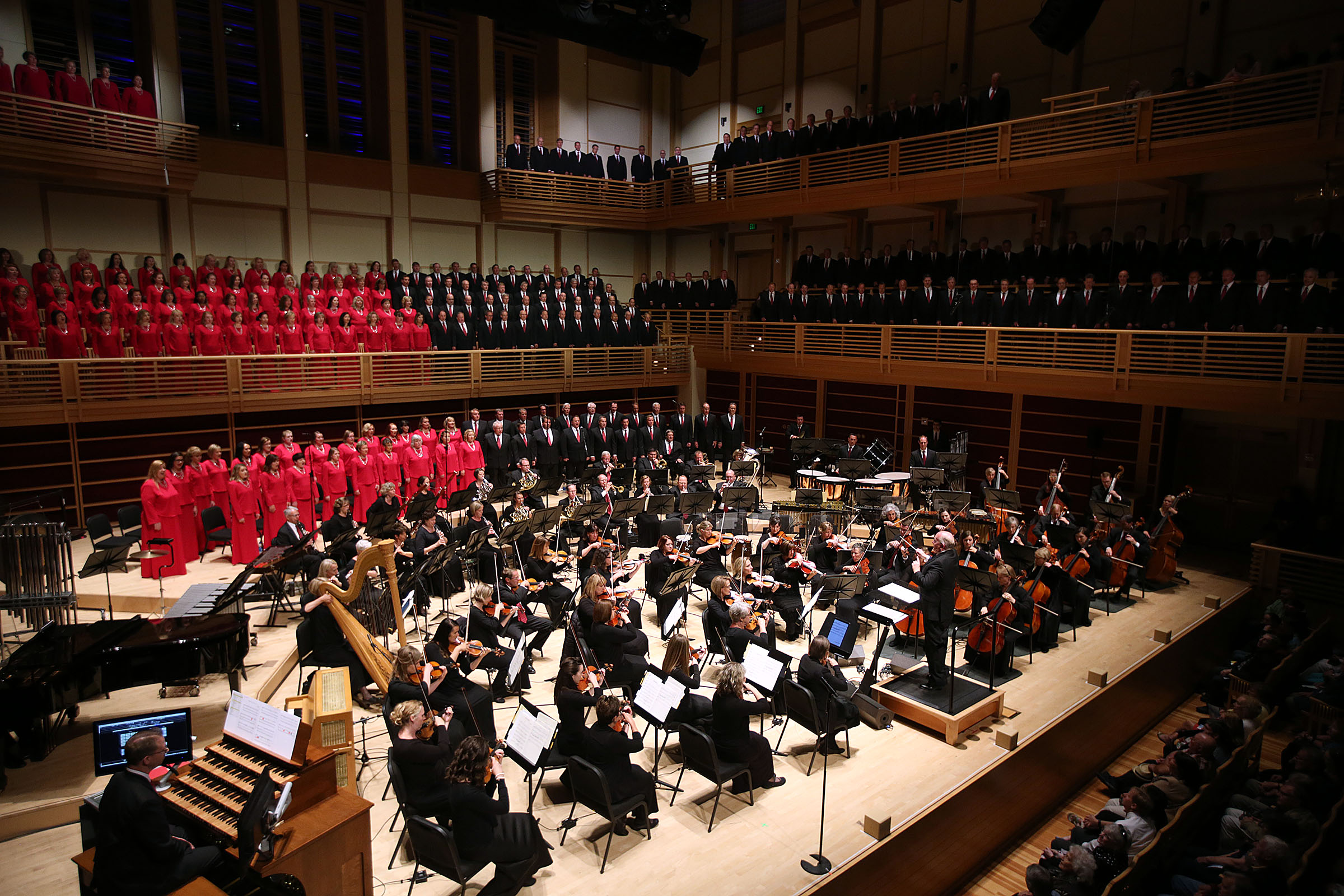 El Coro y la Orquesta del Tabernáculo en Temple Square se presentan en Weill Hall en el Green Music Center en Rohnert Park, California, el miércoles 27 de junio de 2018.