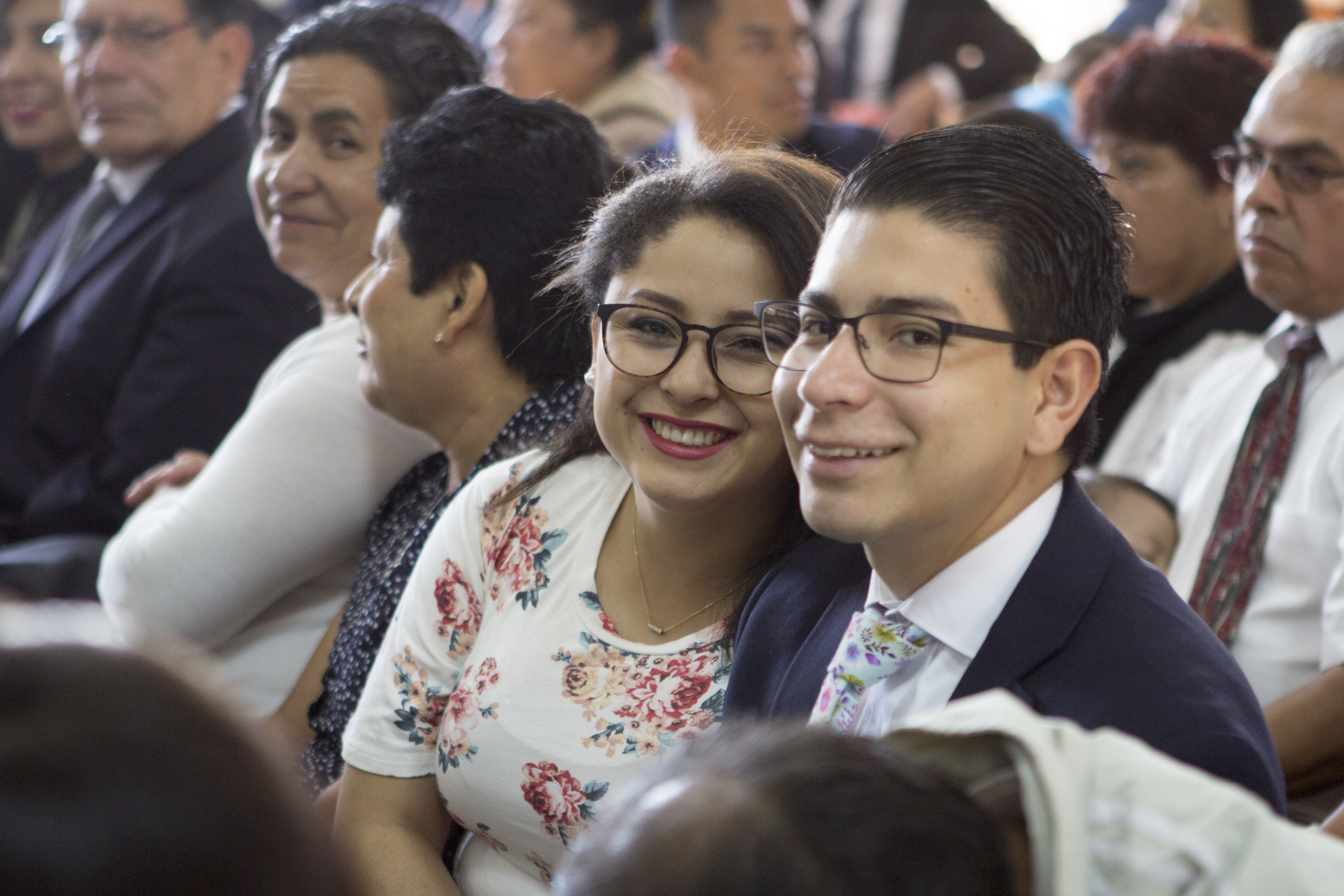A couple smiles for a photo on Sunday, February 17 at the special conference of the Guatemala City Montserrat Stake.