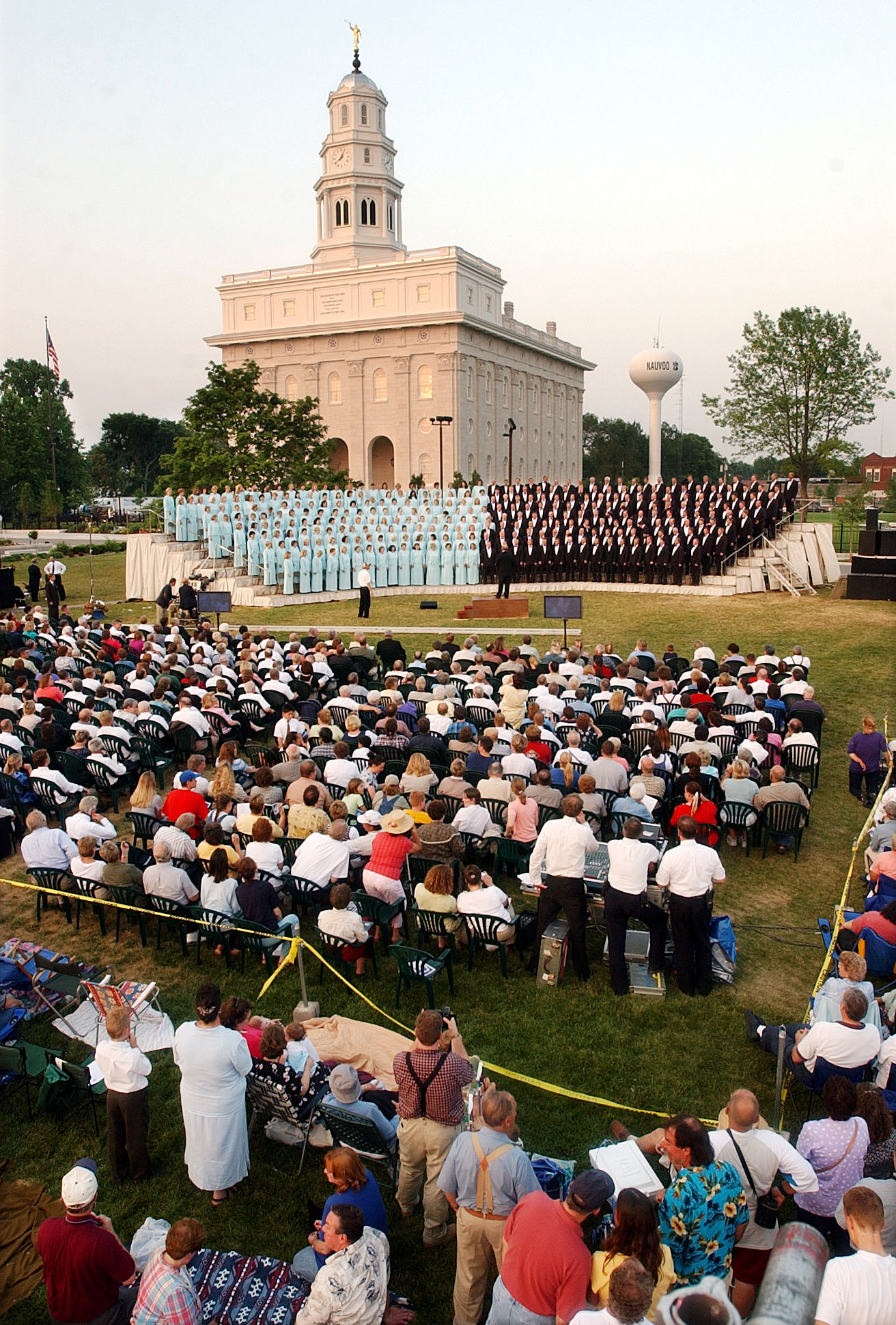 The Mormon Tabernacle Choir performs in front of the Nauvoo LDS Temple June 29th, 2002.