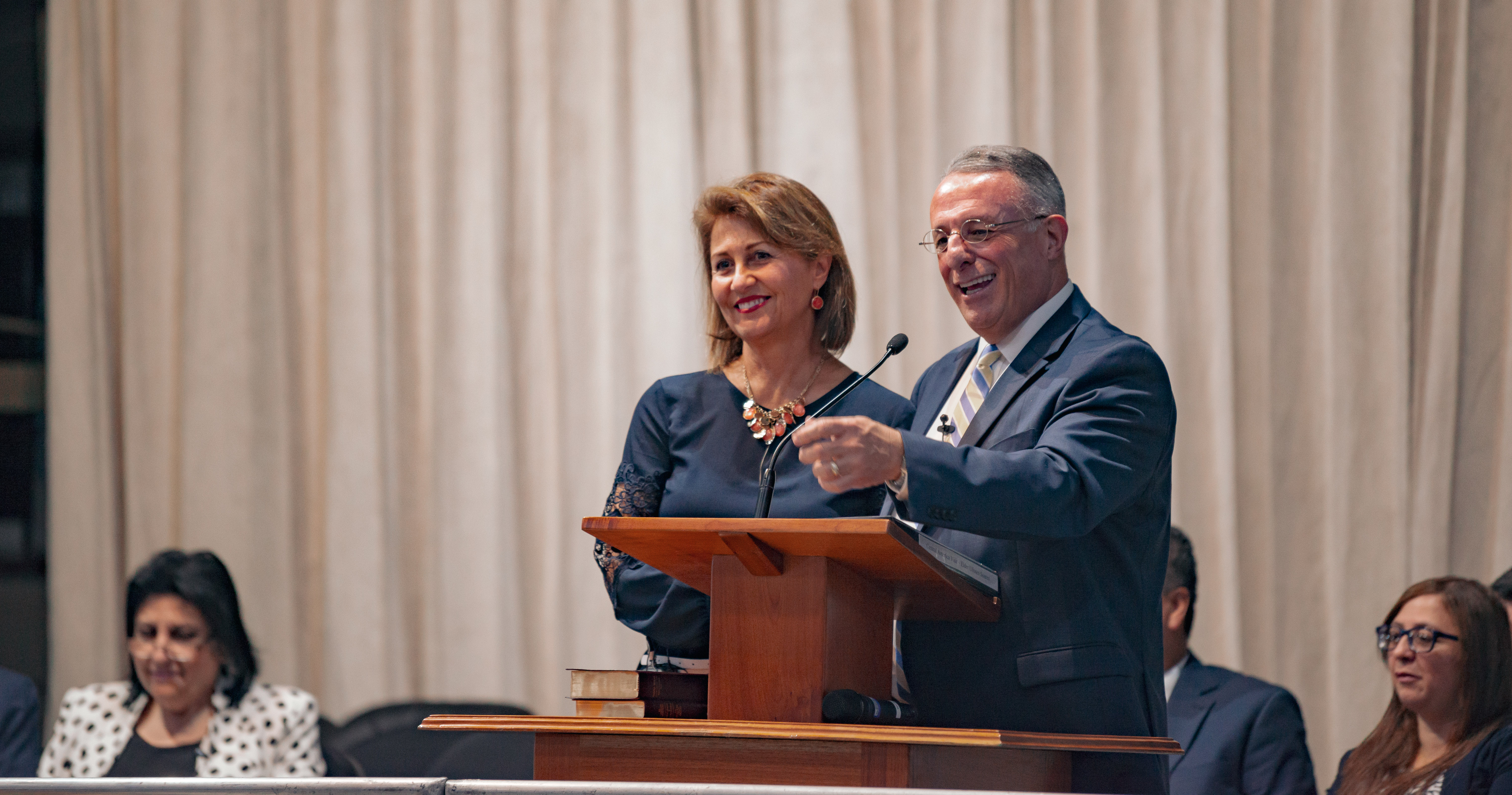 Elder Ulisses Soares of the Quorum of the Twelve Apostles and his wife, Sister Rosana Fernandez Soares, addresses missionaries in Guatemala.