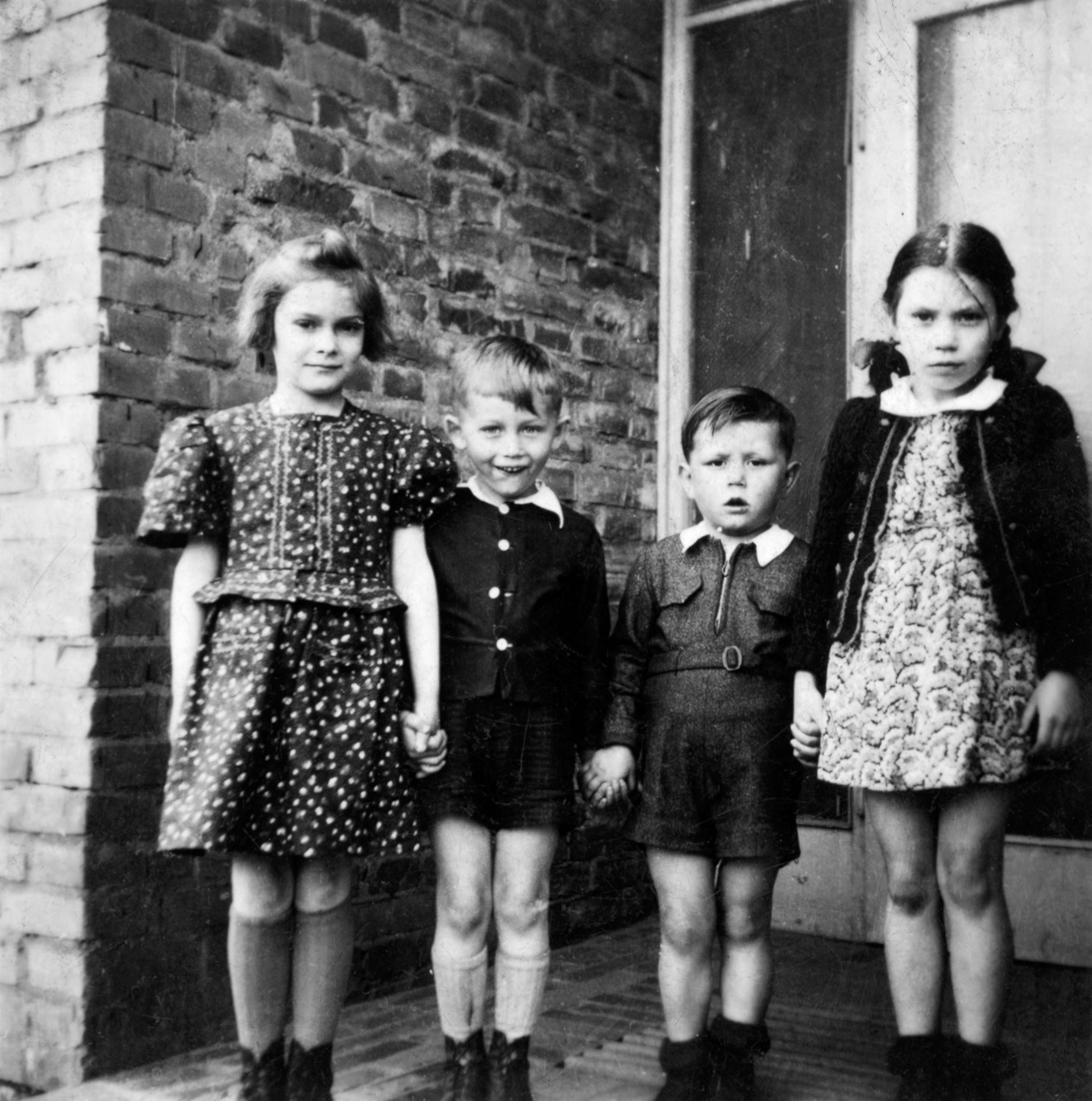 Dieter (2nd from right) and his sister Christel (right), 1944 Klein-Kunzendorf, CSR.