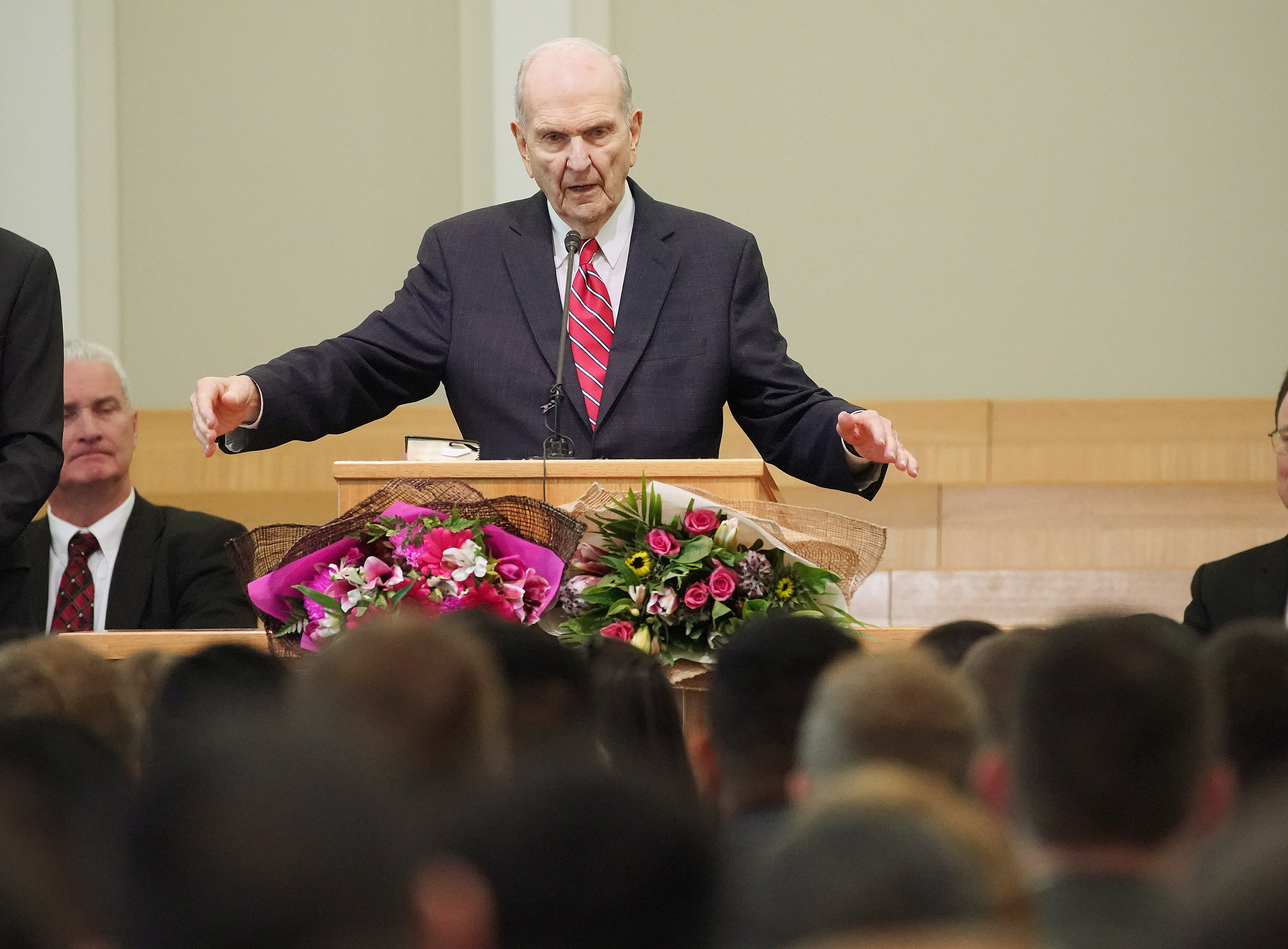 President Russell M. Nelson of The Church of Jesus Christ of Latter-day Saints speaks with missionaries in Auckland, New Zealand, on Tuesday, May 21, 2019.