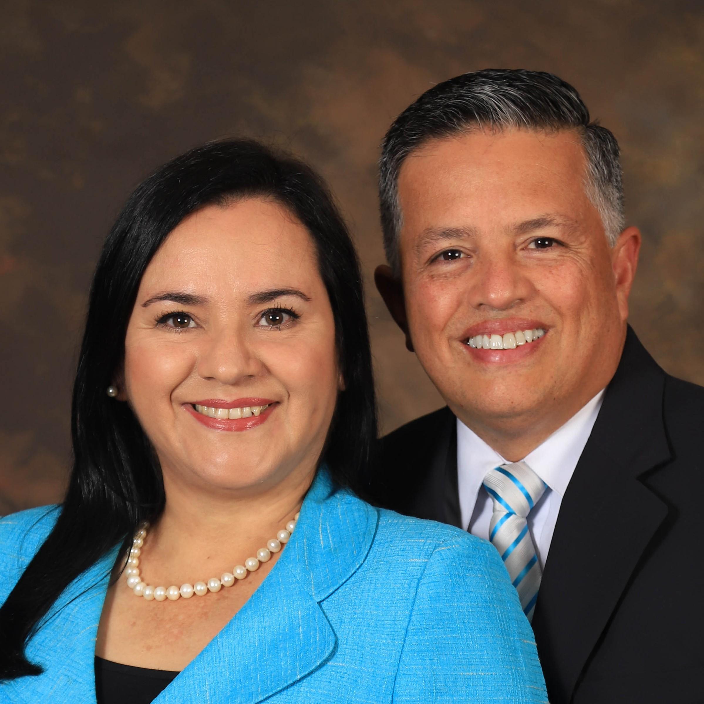 Maritza Muñoz and Rodrigo B. Soto Bolaños