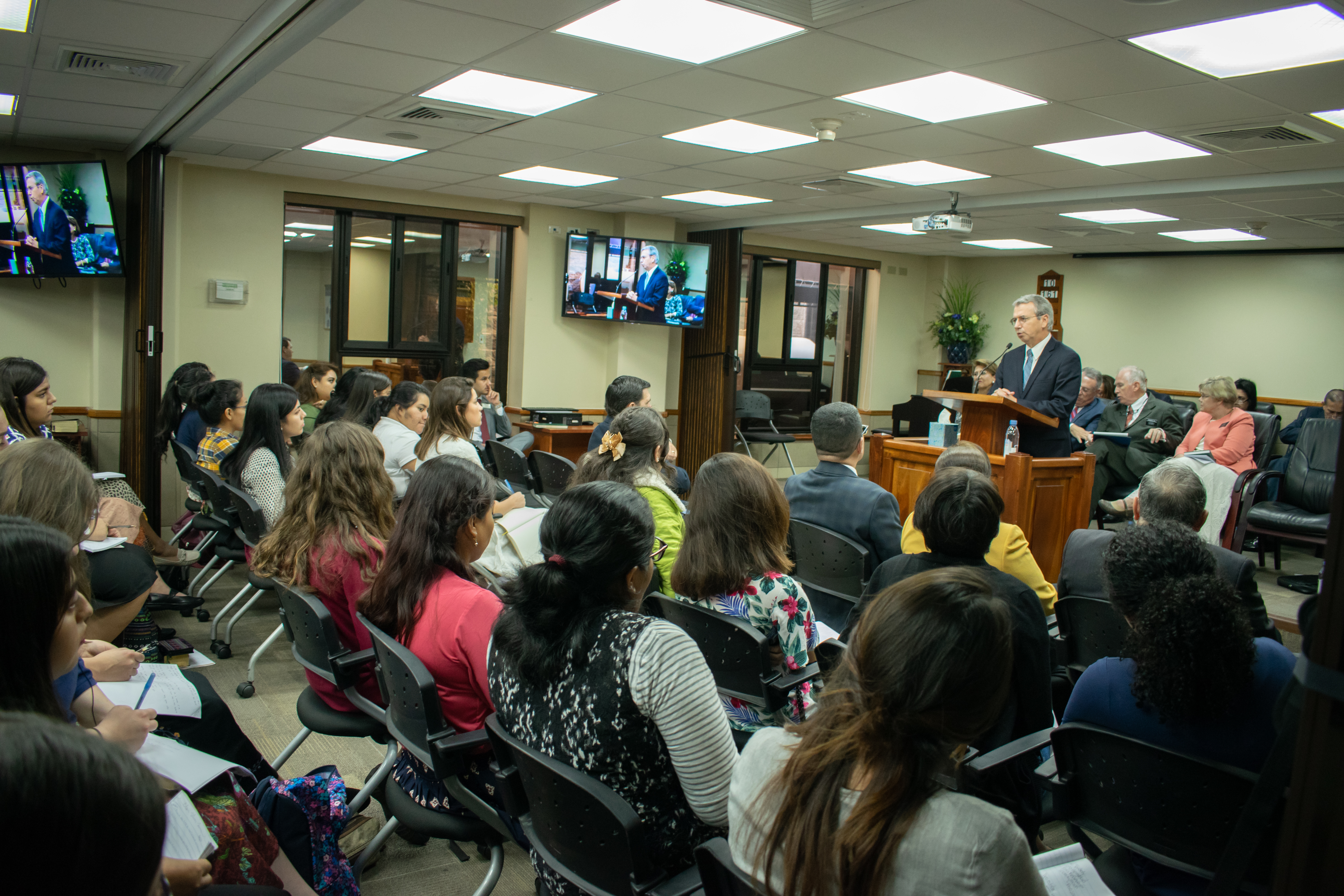 A missionary asks Elder Ulisses Soares of the Quorum of the Twelve Apostles a question during meeting in Costa Rica on Nov. 8, 2018.