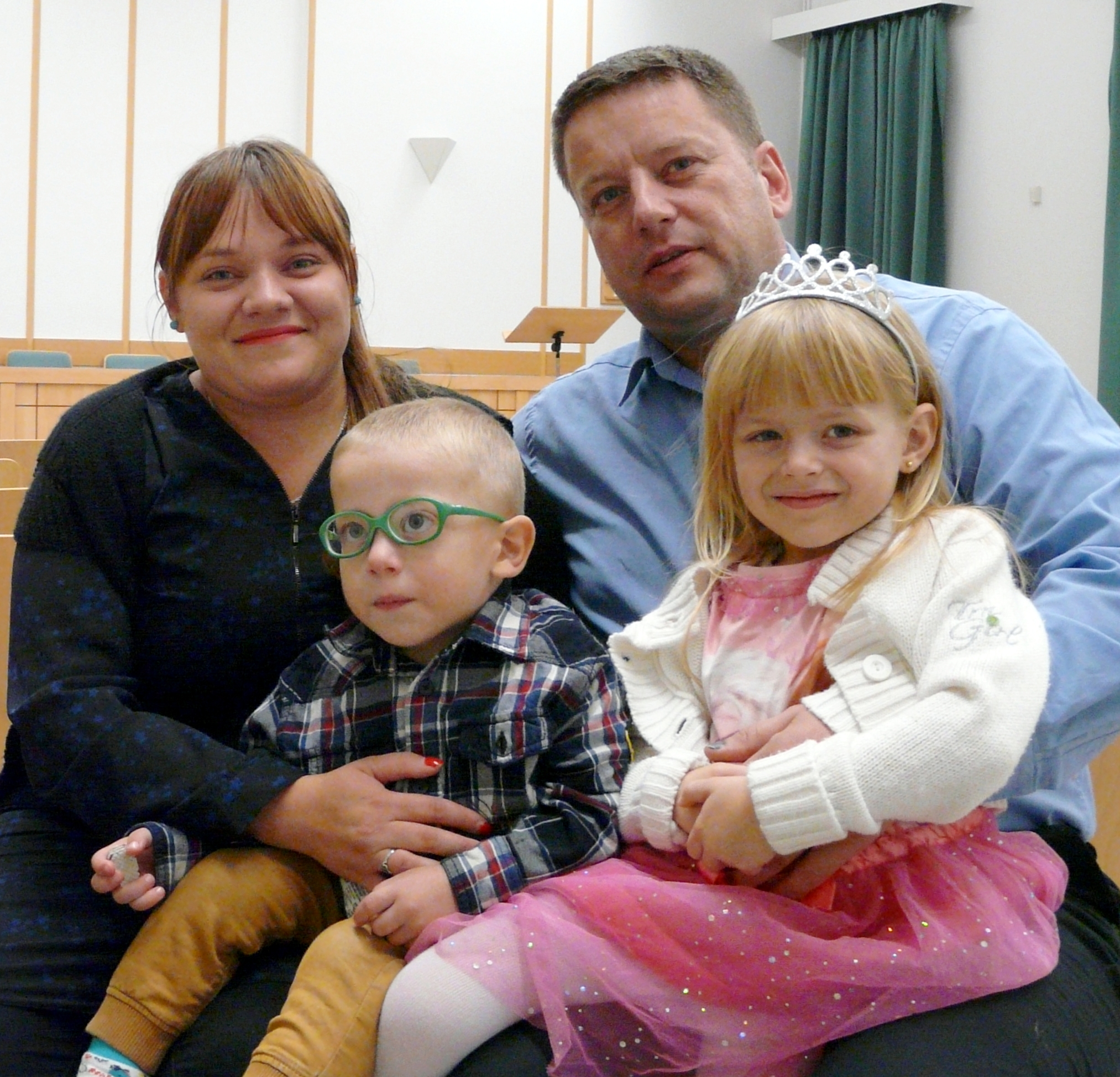 Cristina and Ivan Mescos and their children Filip, 3, and Amina, 5, attend and serve in the Brasov Branch, where Ivan is branch president.