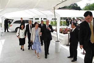 President Henry B. Eyring and Sister Kathleen J. Eyring arrive for the dedication of the San Salvador El Salvador Temple.
