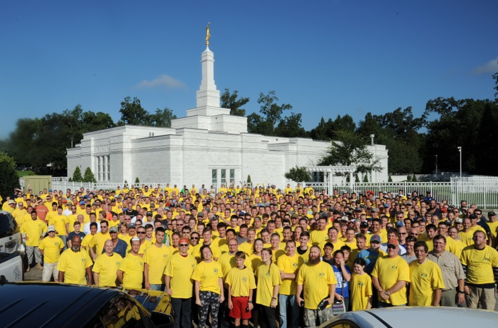 A group of about 350 is a small part of the over 4,300 MHH volunteers that arrived for a weekend clean-up project in 2016. The Baton Rouge Louisiana Temple is in the background.