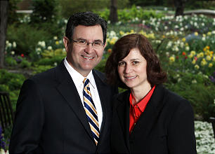 Elder Adrian Ochoa and Sister Nancy Villareal Ochoa were drawn to one another by their shared love for the Lord and His gospel.
