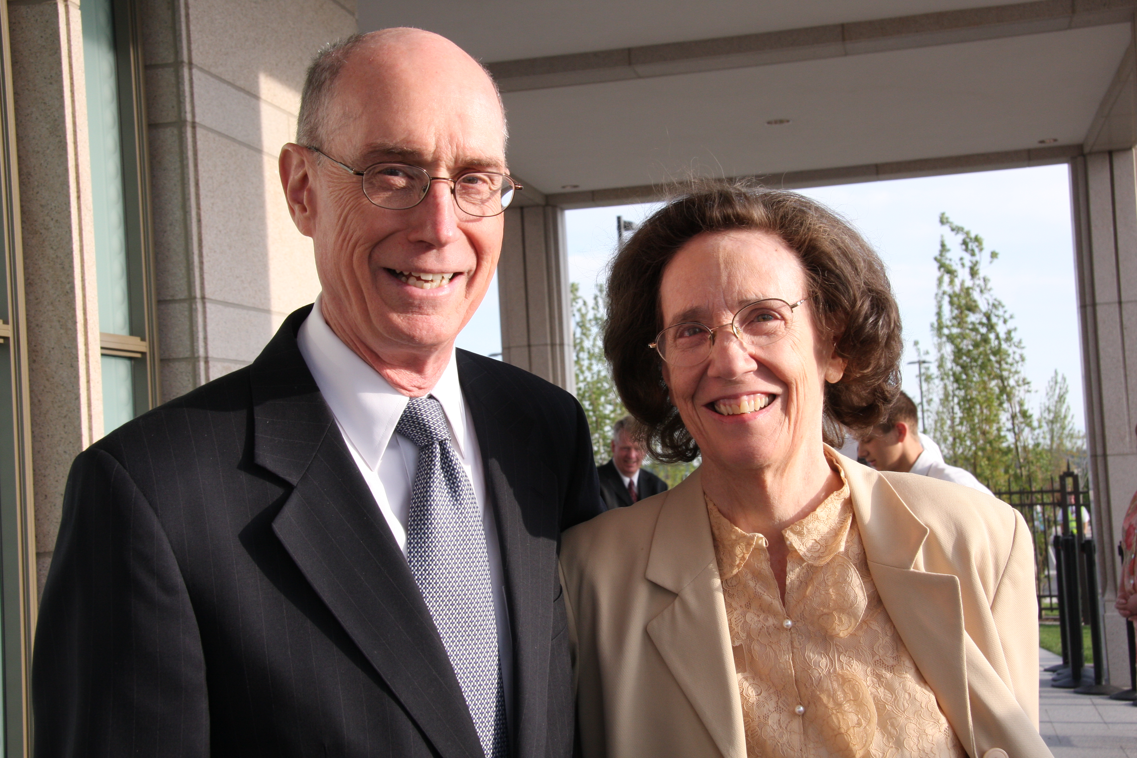 President Henry B. Eyring and his wife, Sister Kathleen Eyring, arrive Saturday morning for the second day of the dedication of the Oquirrh Mountain Utah Temple, Aug.22, 2009 in South Jordan, Utah.
