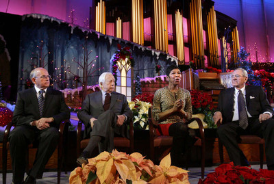 From left, Mormon Tabernacle Choir Director Mack Wilberg, author David McCullough, singer, songwriter and performer Natalie Cole and Choir President Mac Christensen, speak to the media about annual Christmas concert.
