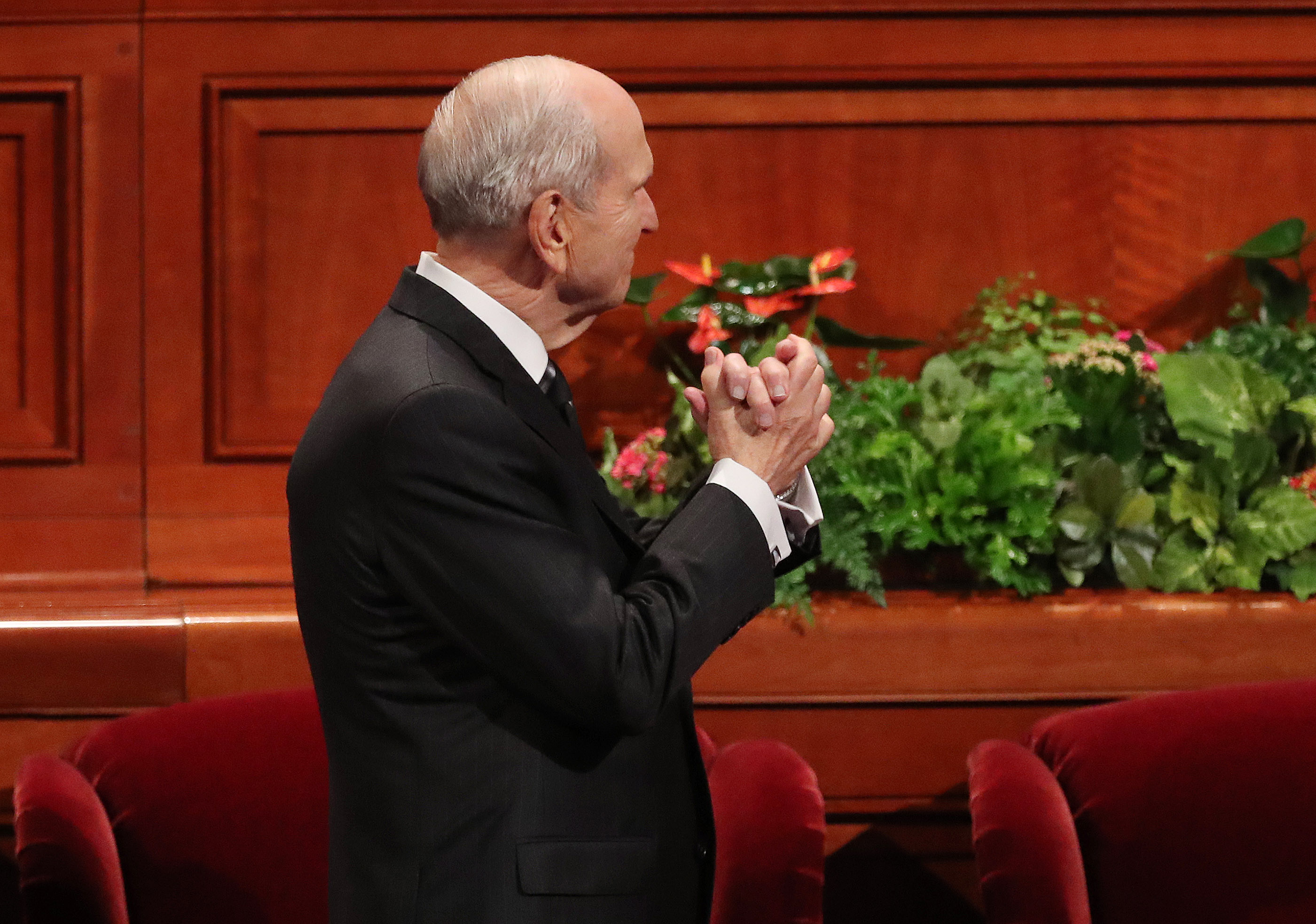 President Russell M. Nelson of The Church of Jesus Christ of Latter-day Saints, acknowledges the Tabernacle Choir at Temple Square during the Saturday morning session of the 188th Semiannual General Conference of The Church of Jesus Christ of Latter-day Saints in the Conference Center in Salt Lake City on Saturday, Oct. 6, 2018.