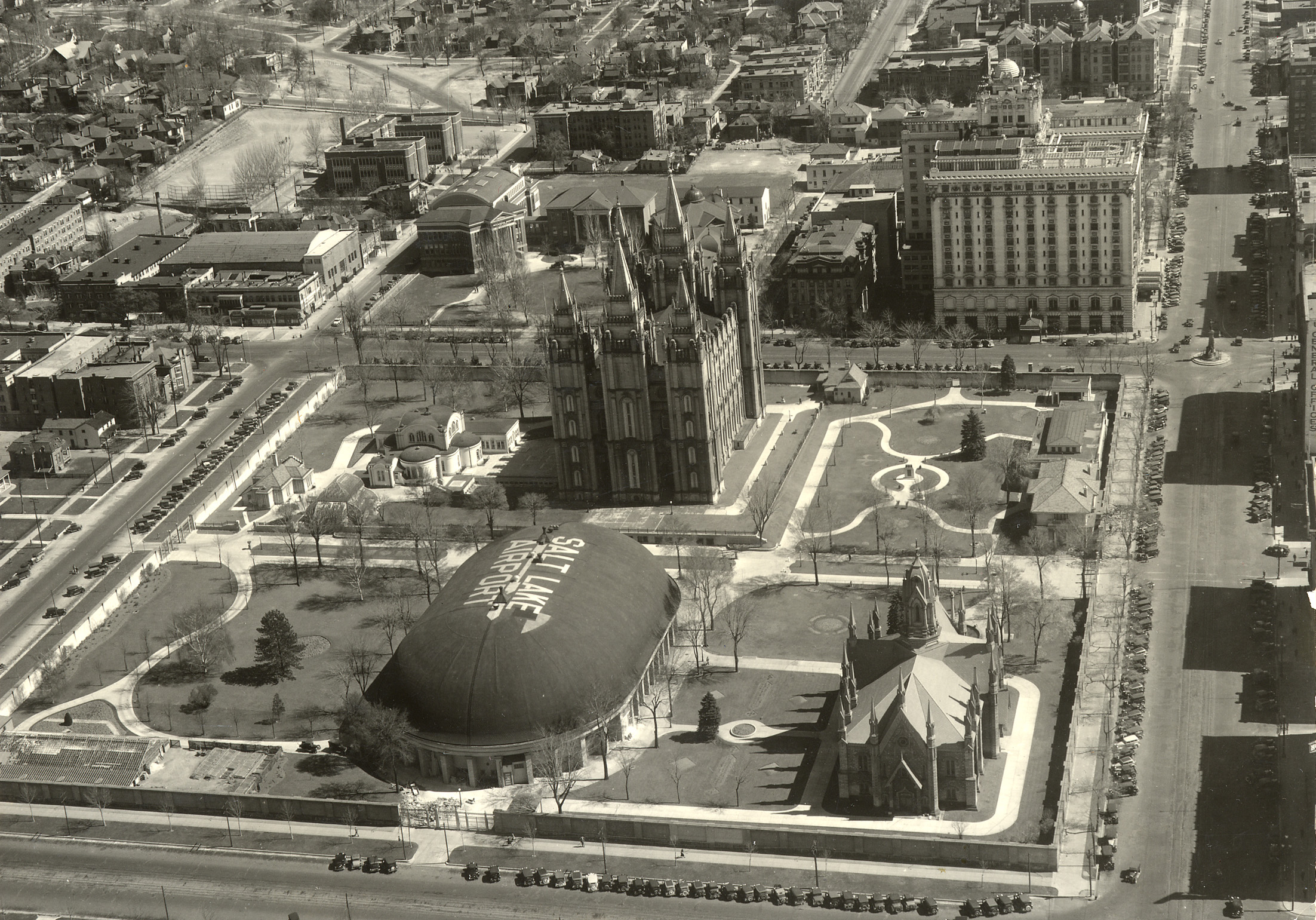An aerial view of Temple Square in the late 1930s looking east.