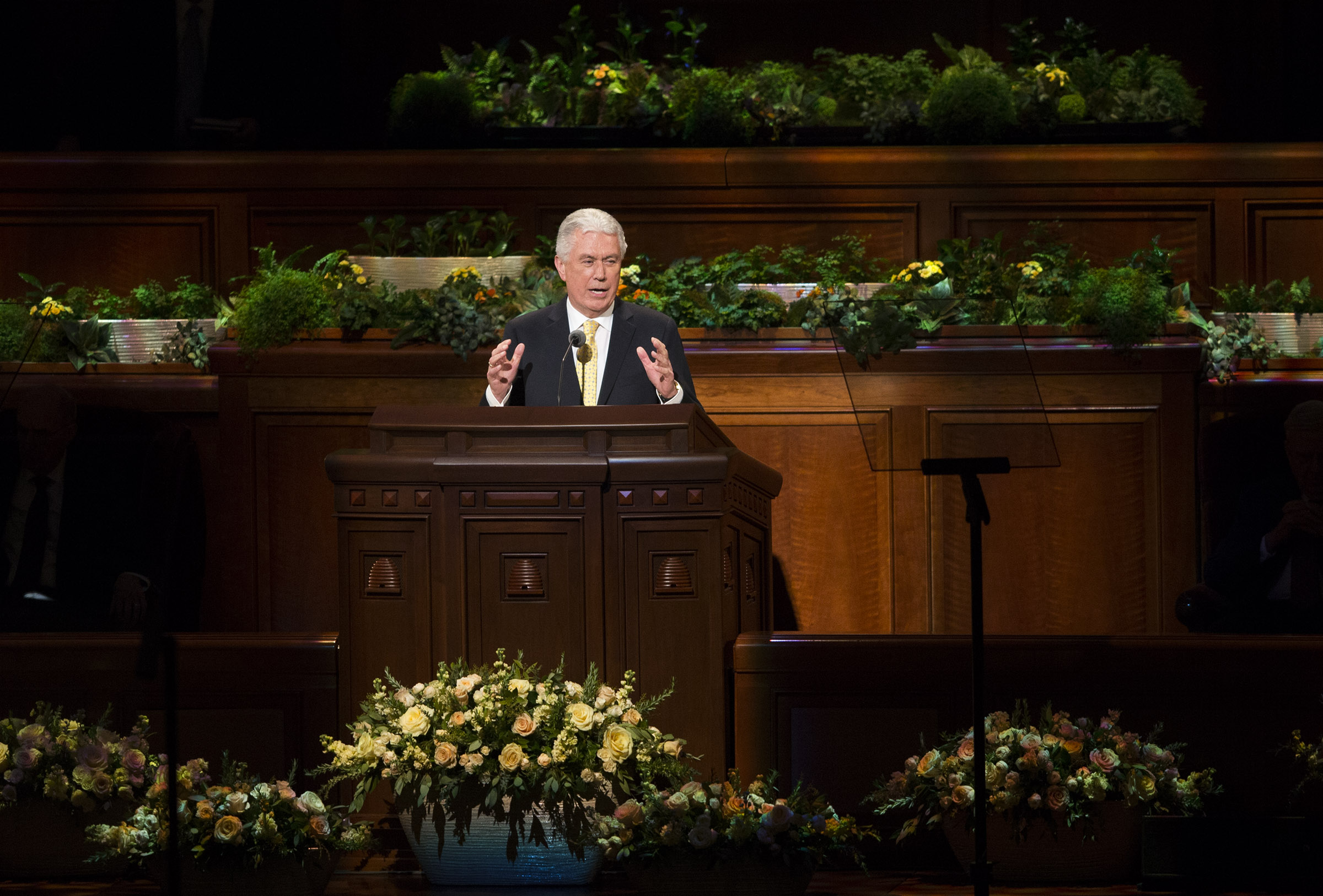 Elder Dieter F. Uchtdorf of the Quorum of the Twelve Apostles speaks during the Sunday afternoon session of the 188th Annual General Conference of The Church of Jesus Christ of Latter-day Saints, in the Conference Center in Salt Lake City on Sunday, April 1, 2018.