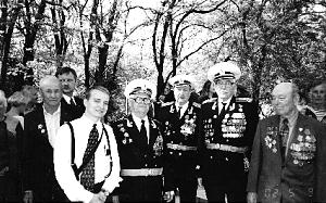 Missionaries from the Russia Rostov Mission take pictures with Russia's celebrated World War II veterans.