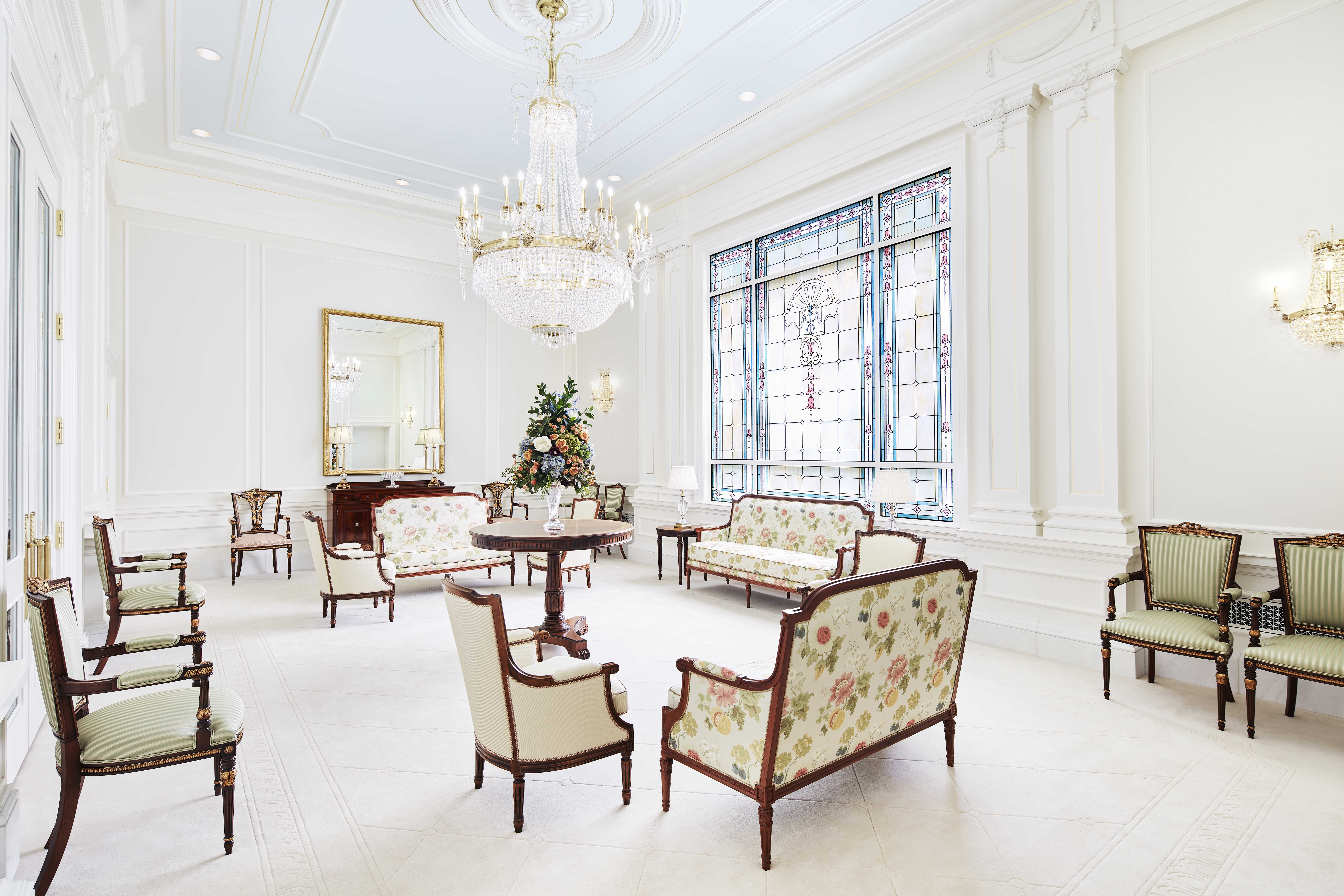 The celestial room in the Memphis Tennessee Temple.