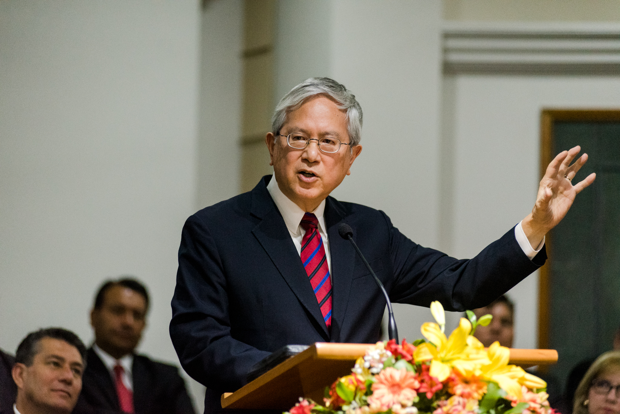 Elder Gerrit W. Gong speaks at a devotional for youth in La Cisterna, Chile, on Nov. 9.