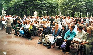 Congregation gathers in the Summer Gardens in St. Petersburg for 100-year celebration of the dedication of Russia.