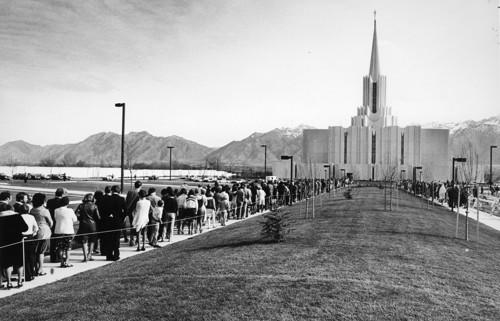 Latter-days Saints lined up to attend the dedication services at the Jordan River Utah Temple in 1981.