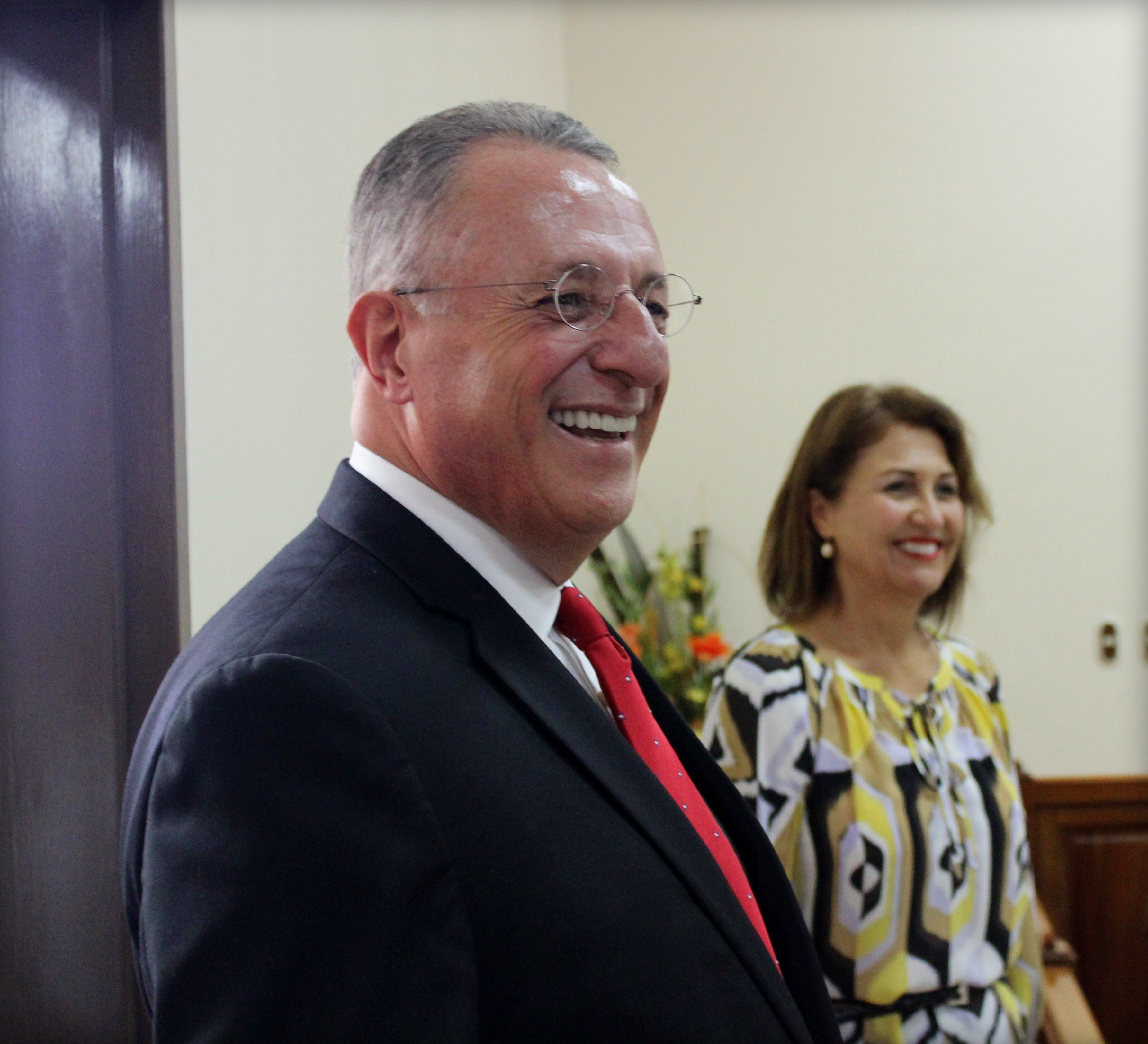 Elder Ulisses Soares of the Quorum of the Twelve Apostles greets missionaries in Costa Rica on Nov. 8, 2018.