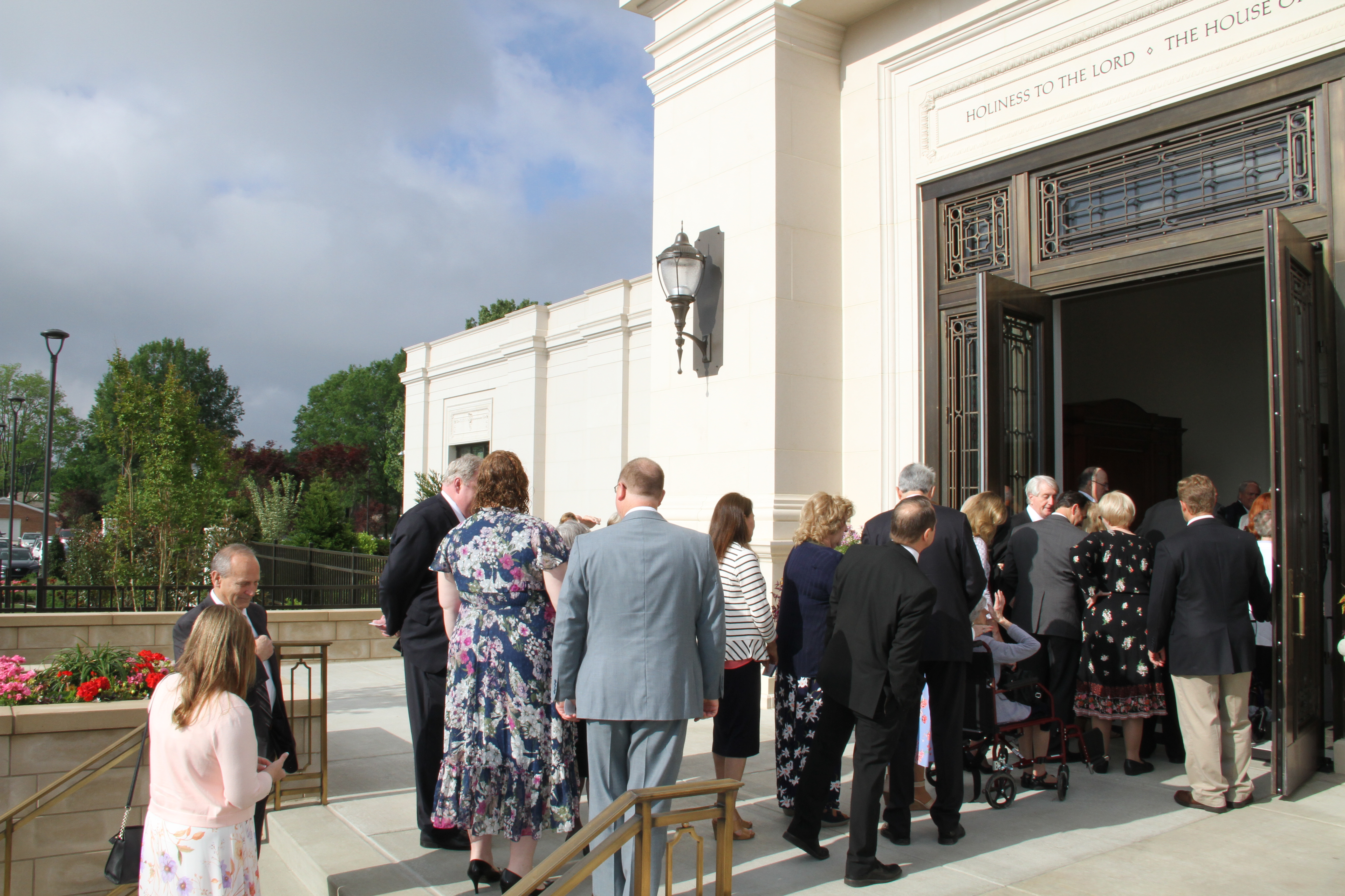 Members from the Memphis Tennessee Temple district arrive for the rededication of the Memphis temple on May 5, 2019.