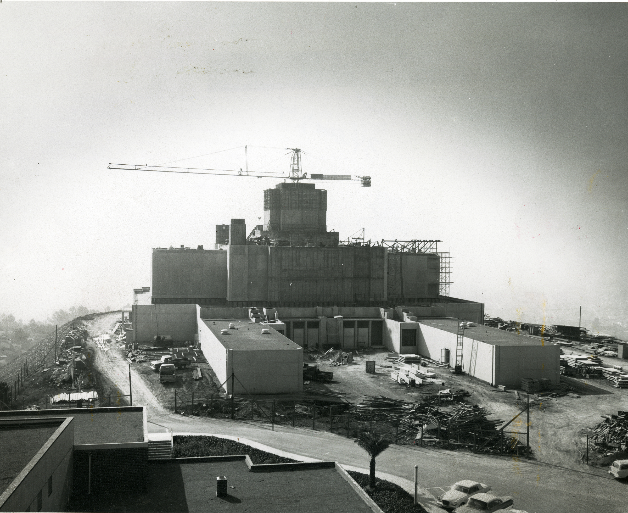 A historical photo of the construction of the Oakland California Temple, of The Church of Jesus Christ of Latter-day Saints, in Oakland, Calif.