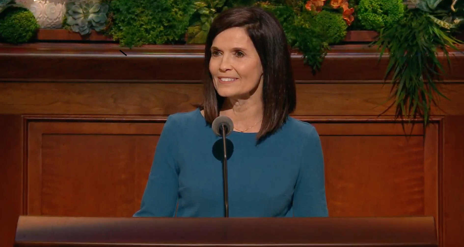 Sister Becky Craven gives her address during the Saturday morning session of the 189th Annual General Conference on April 6, 2019.