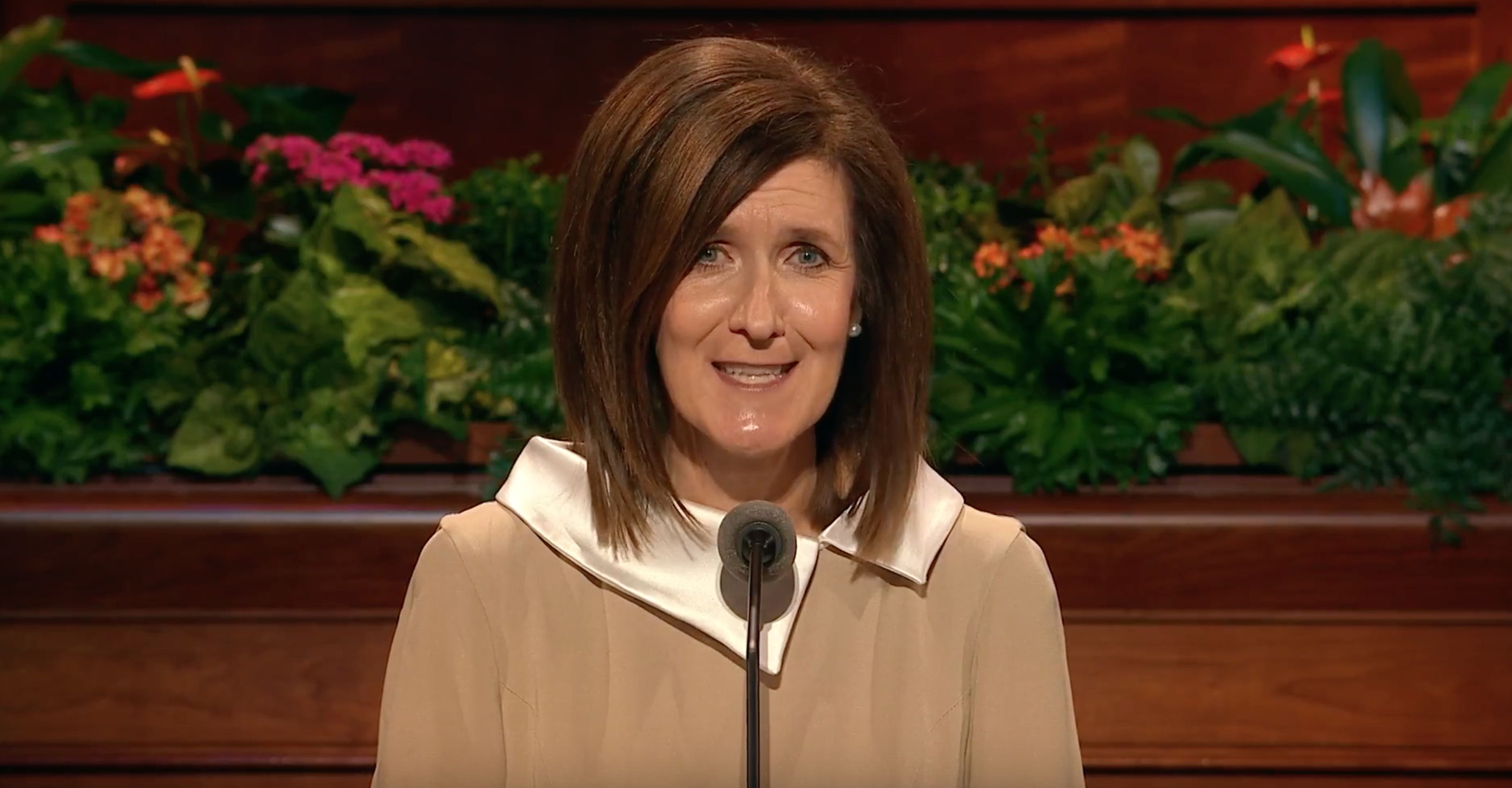 Sister Michelle D. Craig speaks during the October 2018 general women's session.