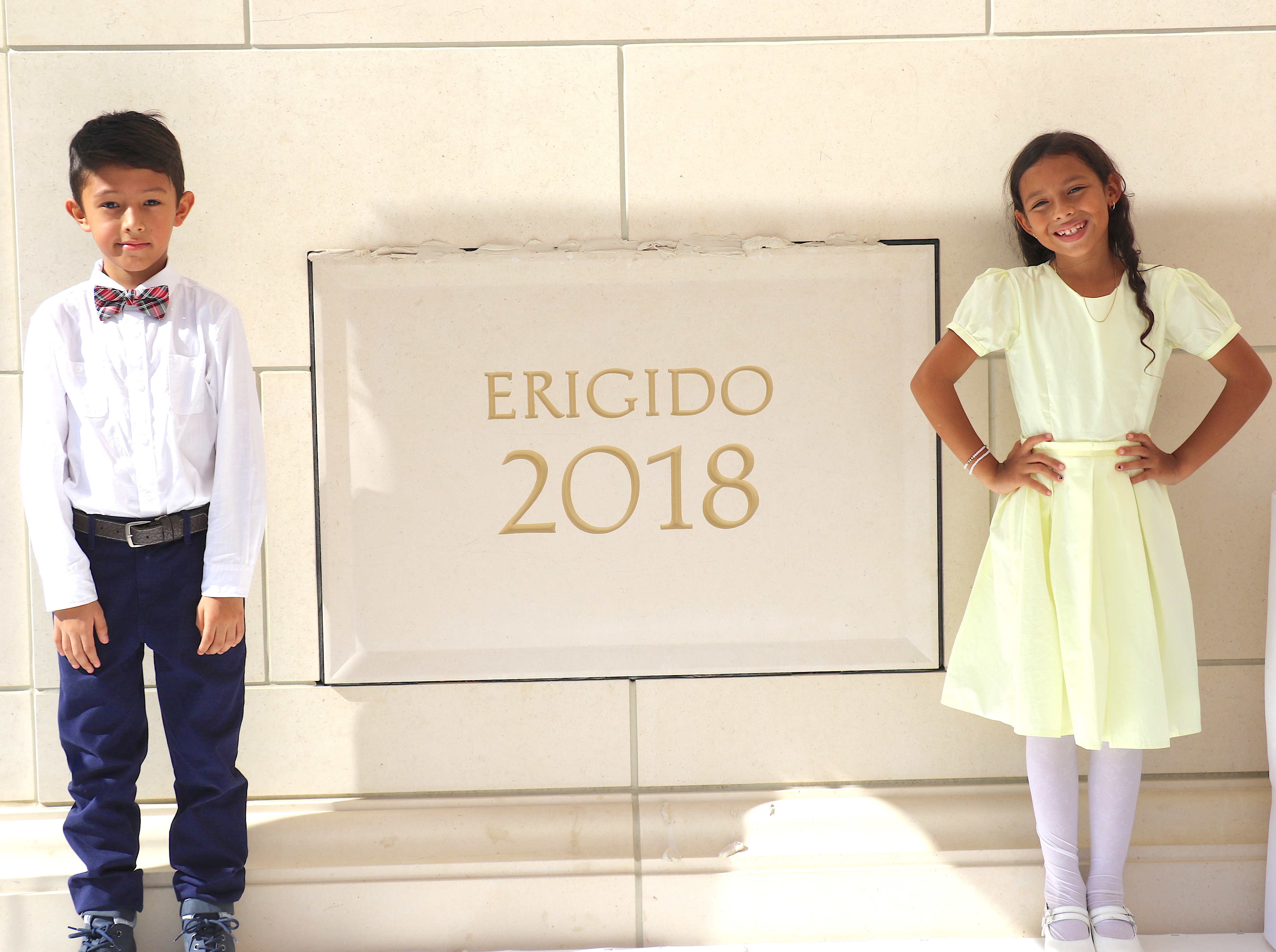 Martin Garzon and Jocelyn Rodriquez represented the Colombian youth in placing mortar on the capstone of the Barranquilla Colombia Temple on Dec. 9, 2018.