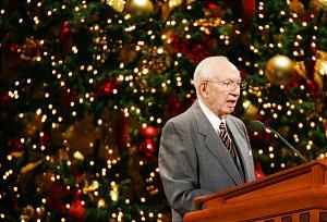 LDS Church President Gordon B. Hinckley speaks during the annual First Presidency Chirstmas Devotional in Salt Lake City Dec 3, 2006. Jeffrey D. Allred/photo