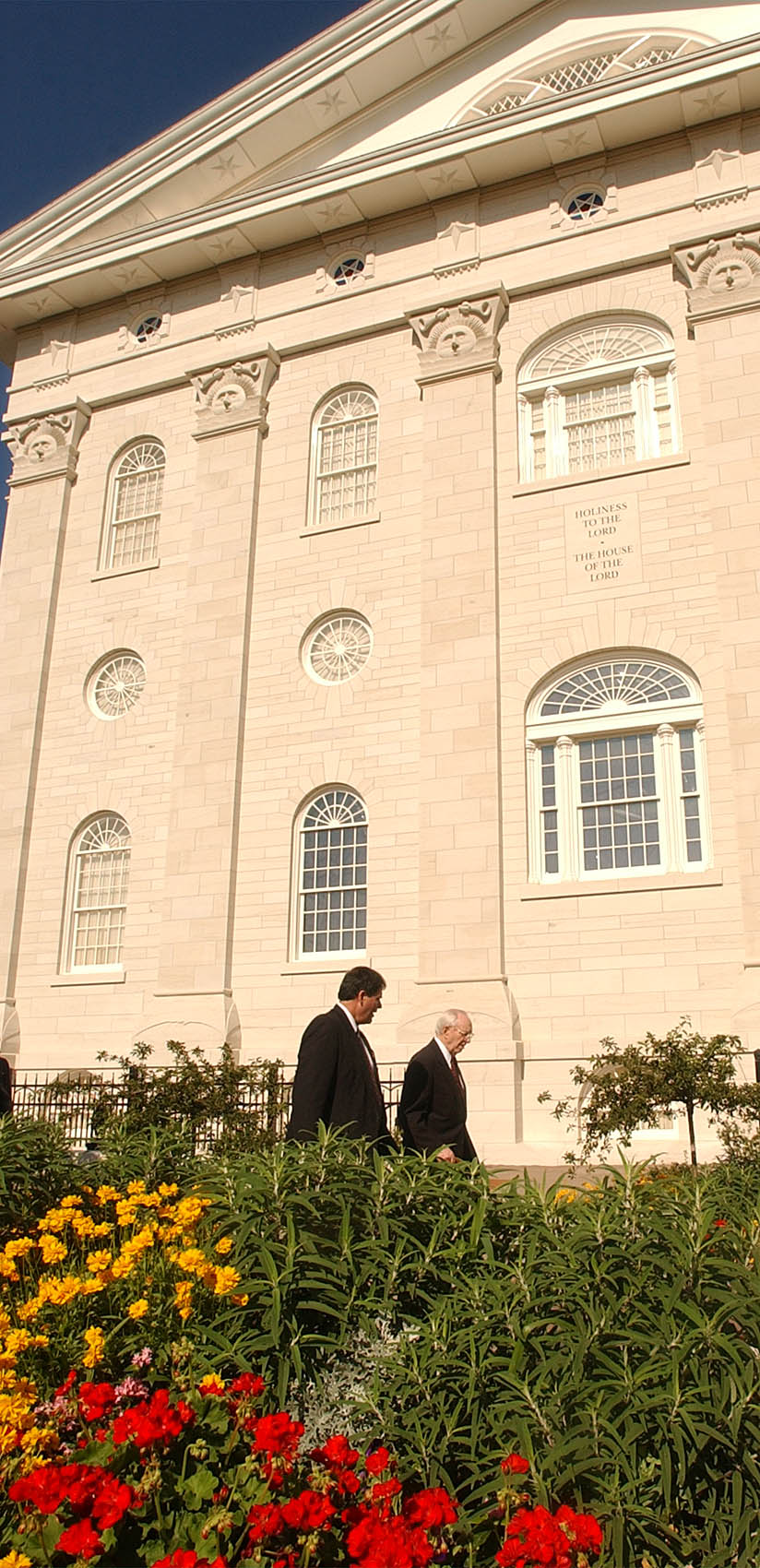 President Gordon B. Hinckley walks through the Nauvoo Illinois Temple grounds after the cornerstone ceremony June 27, 2002.