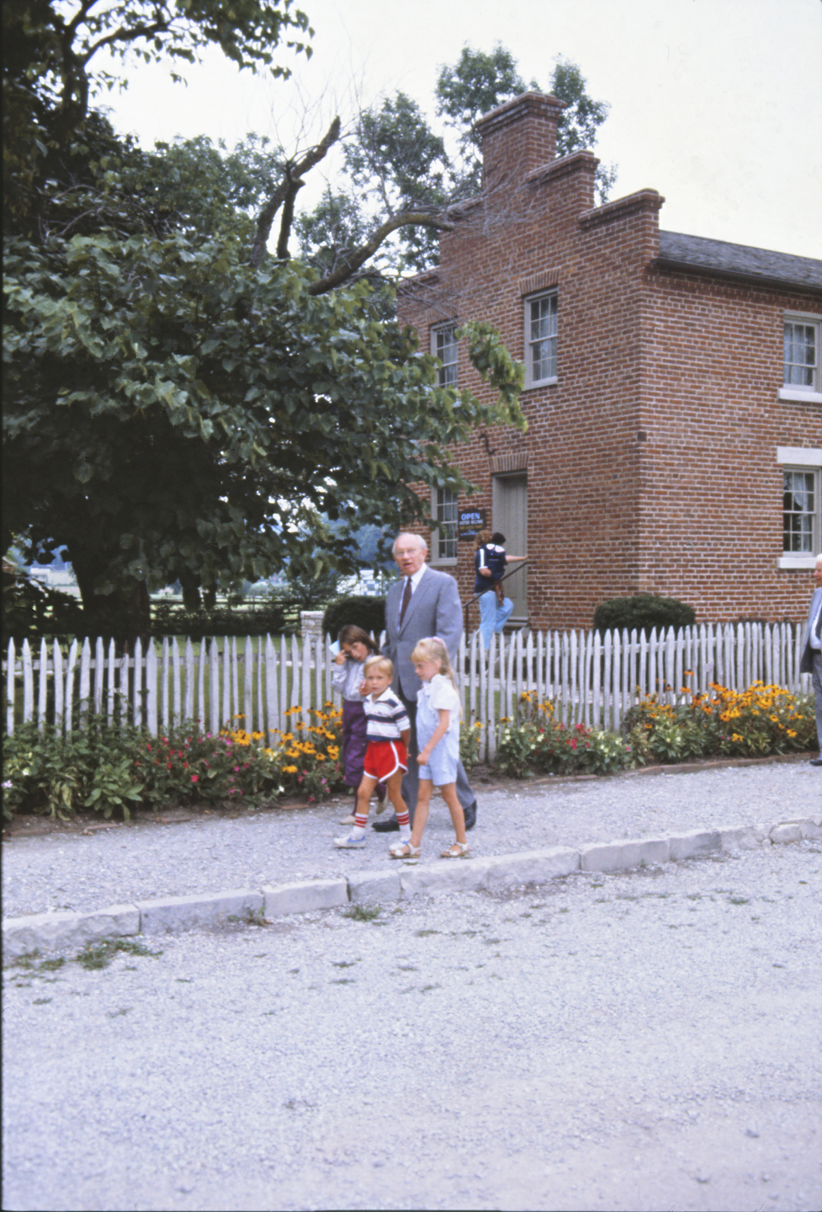 About 20 years before he dedicated the Nauvoo Illinois Temple, President Gordon B. Hinckley joined children on a walk down a street in Old Nauvoo en route to Parley Street that leads to the Mississippi River landing where Latter-day Saints crossed over to Iowa on their westward trek beginning in 1846.
