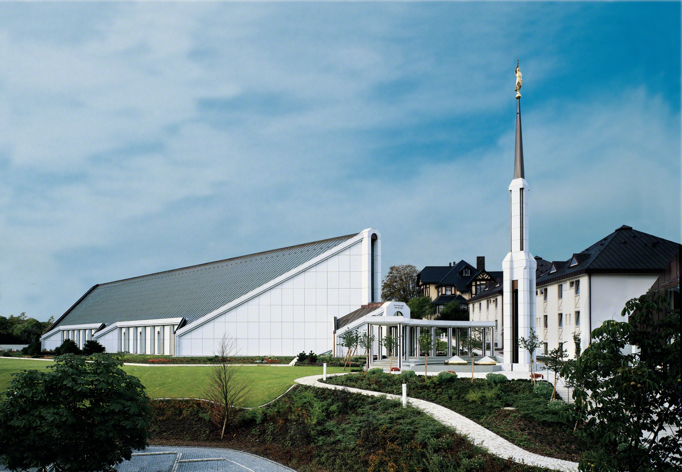 The Frankfurt Germany Temple was dedicated in 1987 and is currently closed for renovation.