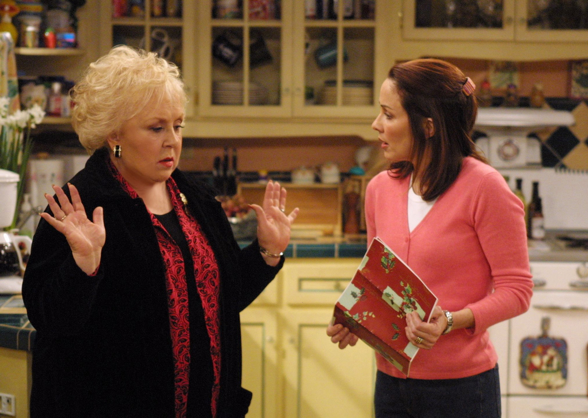 """Deborah (Patricia Heaton), right, often had a contentious relationship with her mother-in-law Marie (Doris Roberts) on """"Everybody Loves Raymond."""" Heaton will appear at this year's RootsTech, scheduled for Feb. 27-March 2 at the Salt Palace Convention Center."""