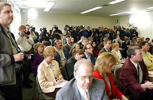 Members of the Media attend a press conference before watching a 13 minute Video and then entering the Temple on Wednesday May 1, 2002 Photo by Scott G. Winterton/Deseret News. (Submission date: 05/01/2002)